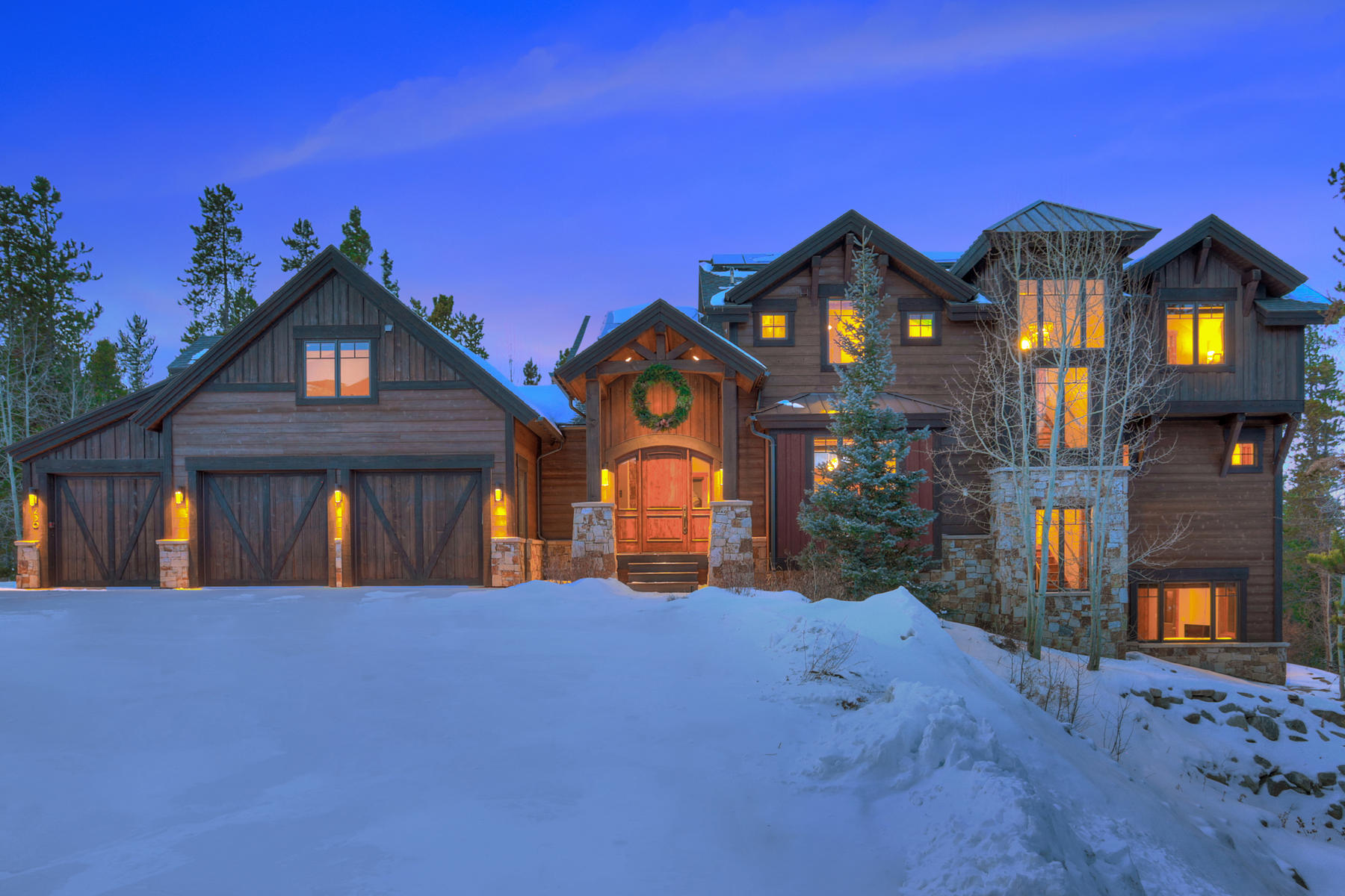 Single Family Homes por un Venta en Custom Breckenridge Home in a Private Setting 230 Campion Trail Breckenridge, Colorado 80424 Estados Unidos