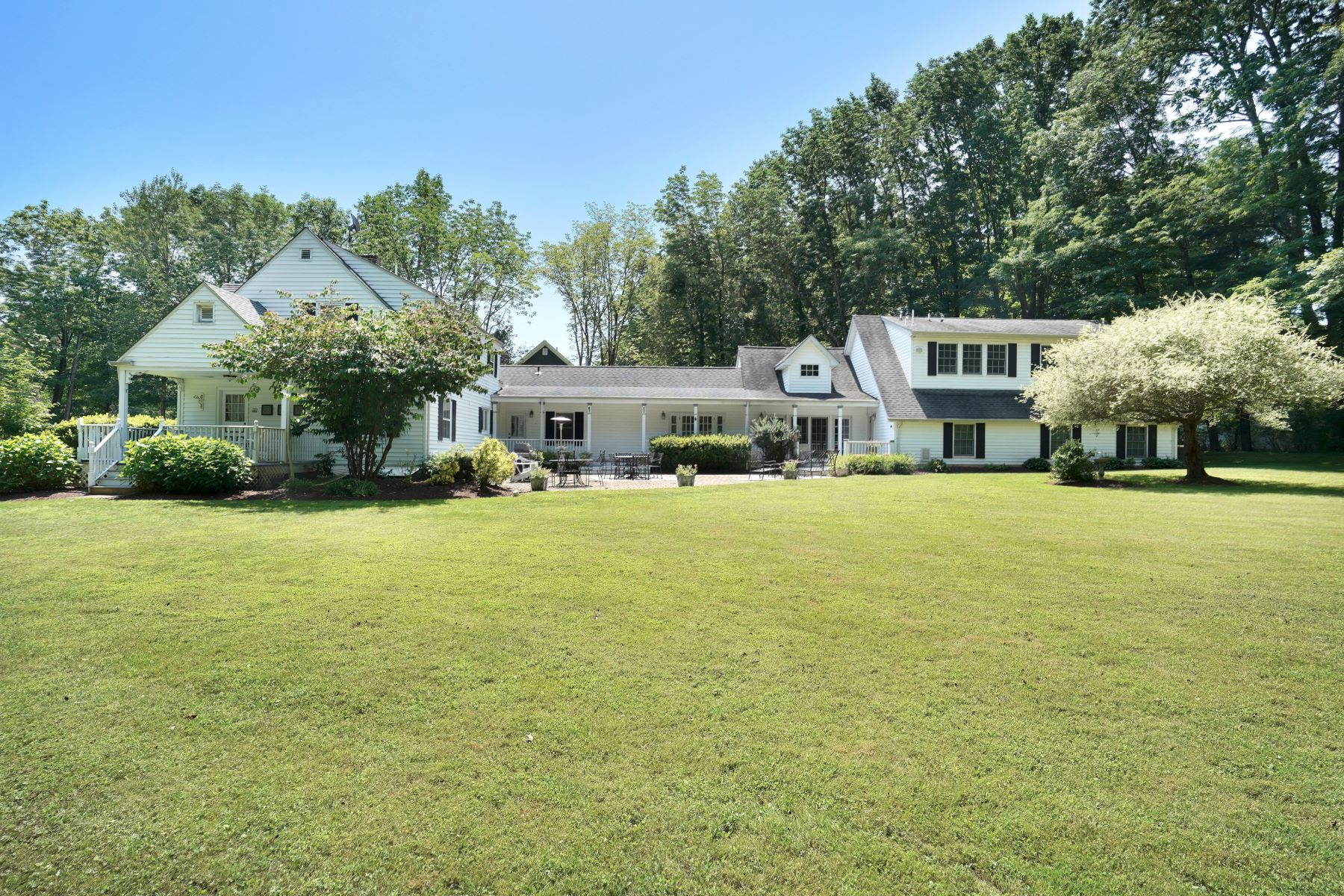 Single Family Homes for Active at Unique Home 20 Halstead Road Mendham Borough, New Jersey 07945 United States