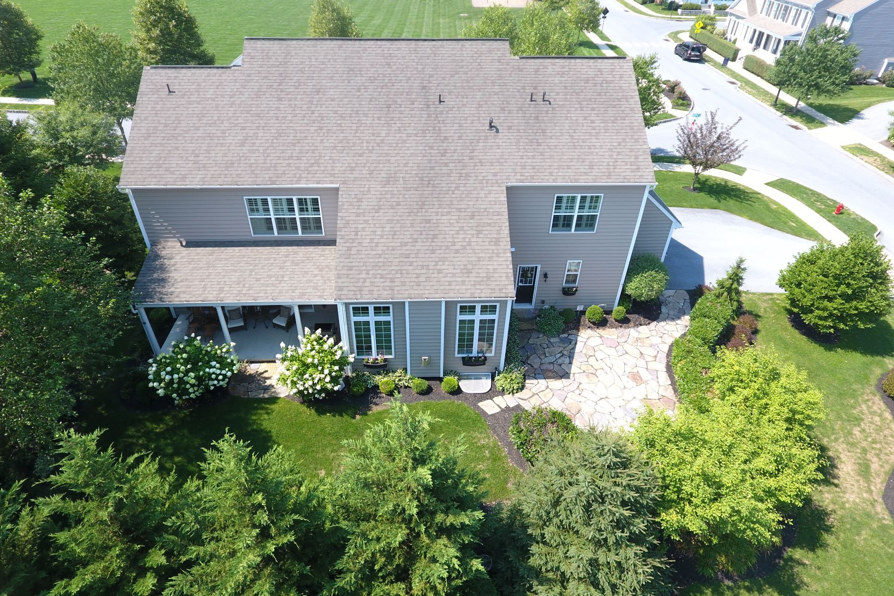 Additional photo for property listing at 1405 Banner Drive 1405 Banner Drive Lancaster, Pennsylvania 17601 United States