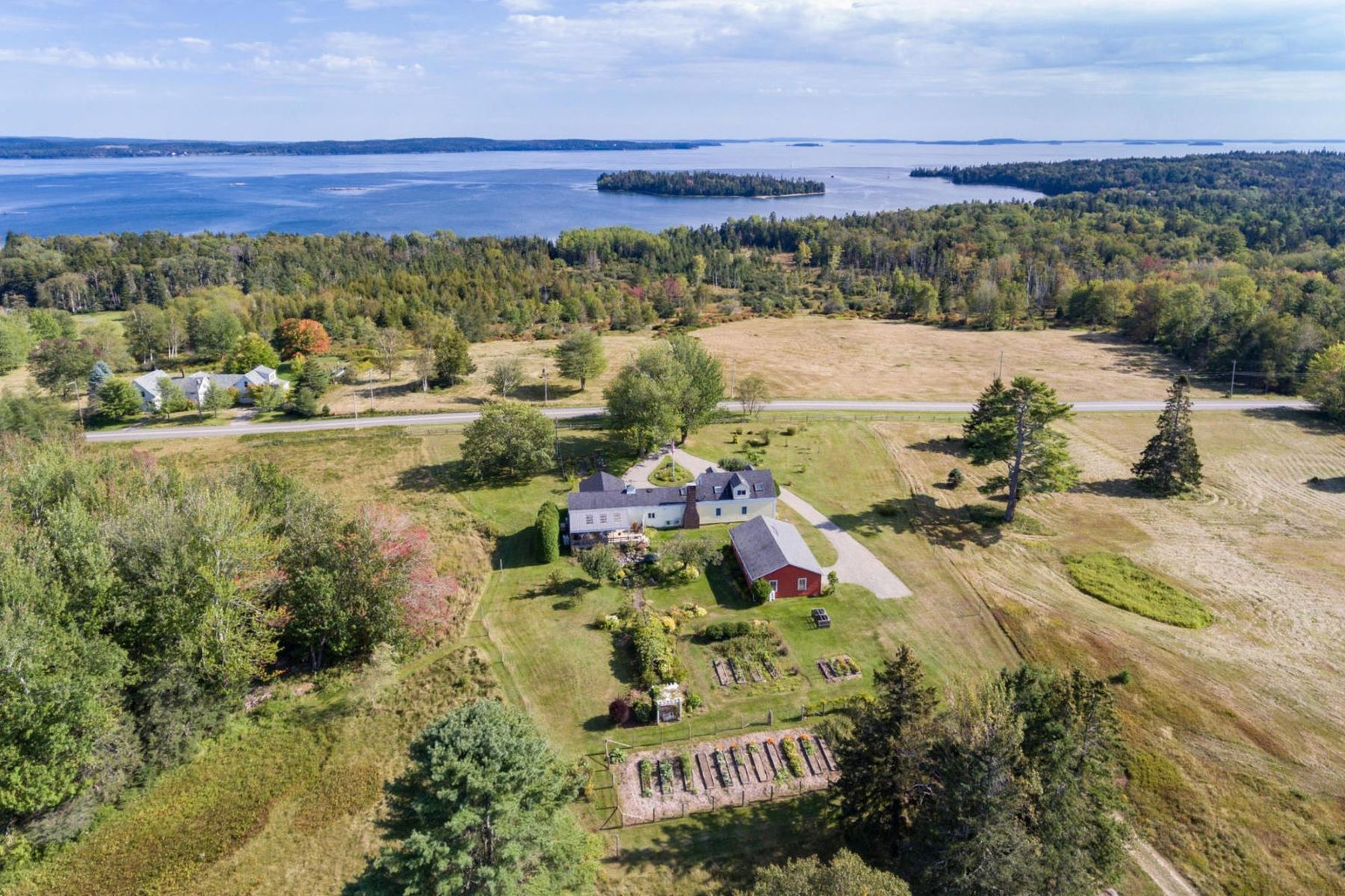 Single Family Homes for Active at 1228 Main Road Islesboro, Maine 04848 United States