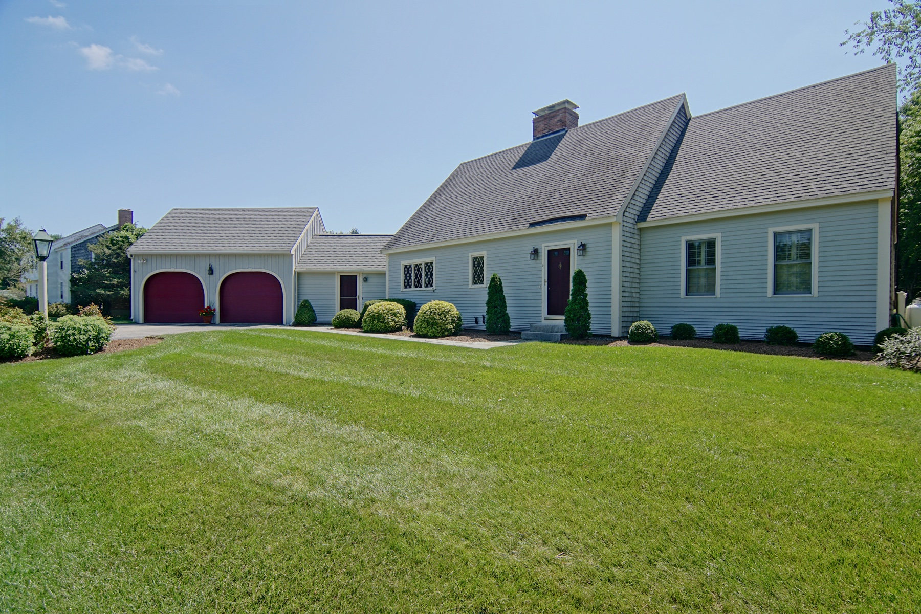 Single Family Homes для того Продажа на Classic Cape Cod Home Blends The Warmth Of Yesterday With The Style Of Today 16 Patriots Way, Rye, Нью-Гэмпшир 03870 Соединенные Штаты