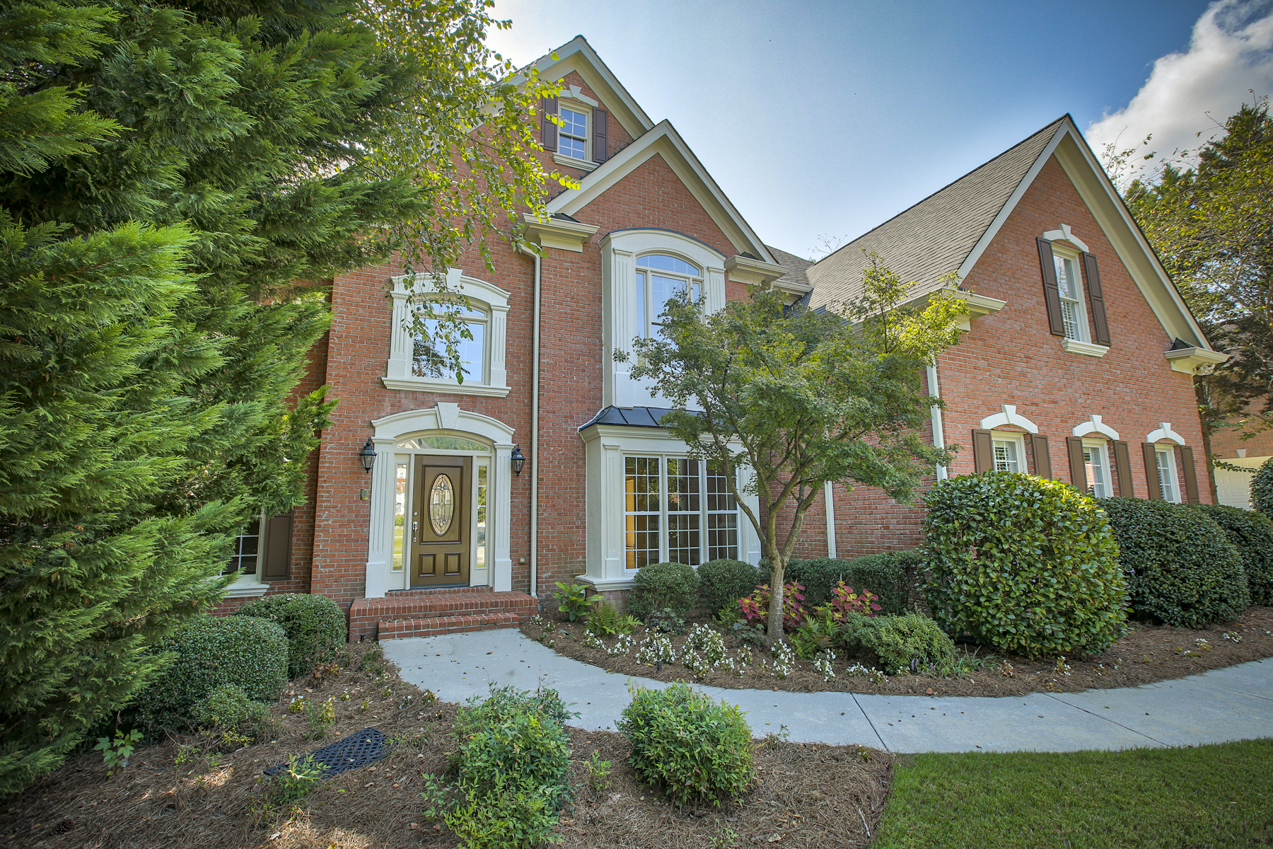 Single Family Home for Sale at Elegantly Renovated Brick Traditional With Finished Terrace Level 9475 Stoney Ridge Lane Alpharetta, Georgia 30022 United States