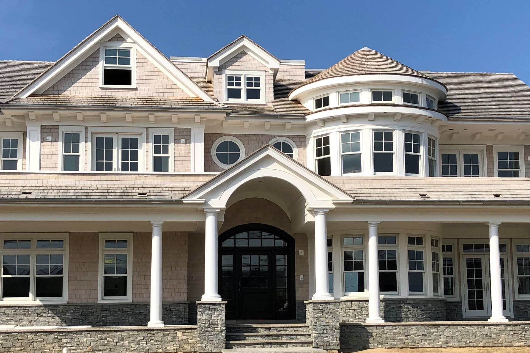 Single Family Homes pour l Vente à Extraordinary Ocean Views 10 Lorraine Avenue, Spring Lake, New Jersey 07762 États-Unis