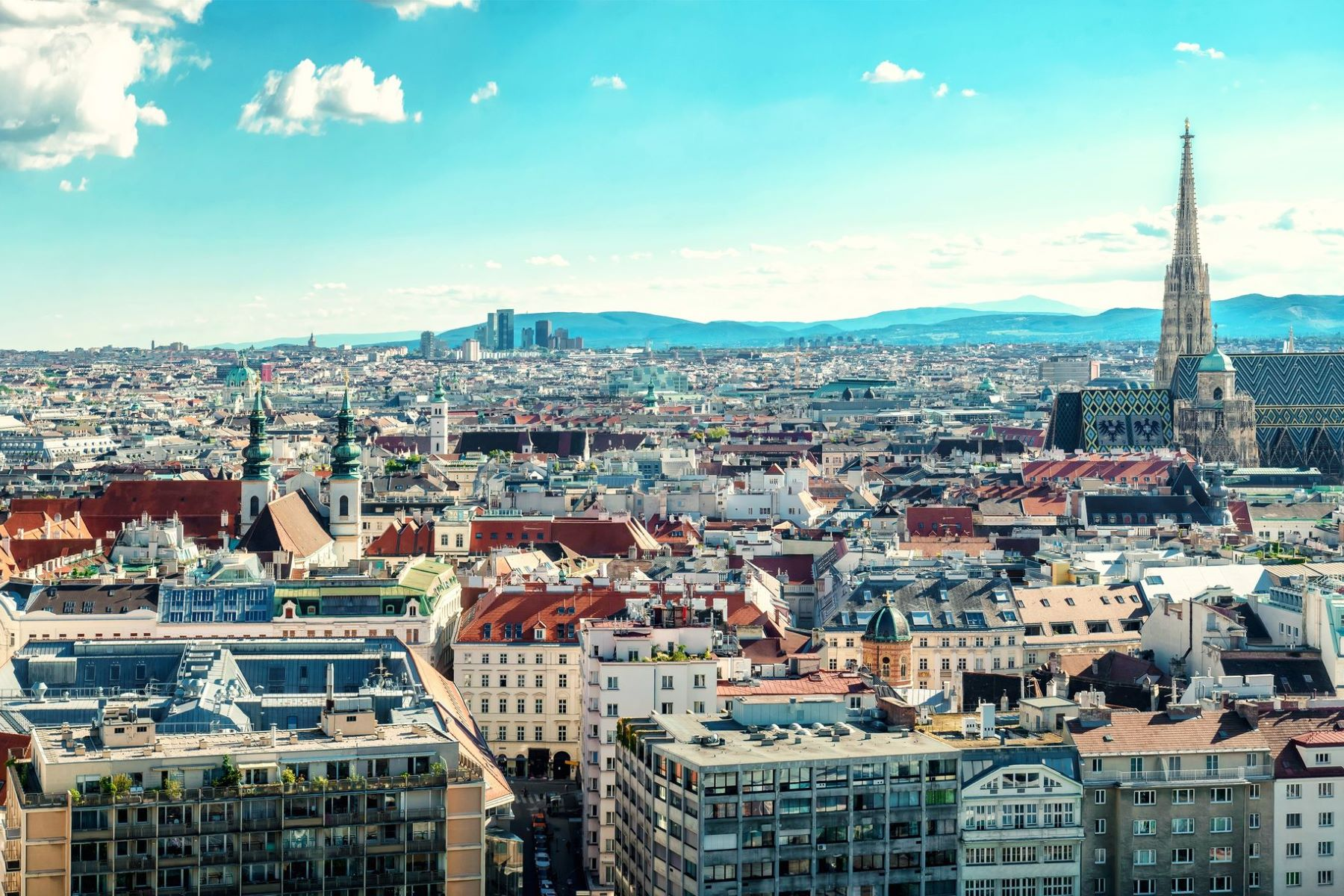 Appartement pour l Vente à QUINTESSENTIAL 2 BED APARTMENT Vienna, Vienna, 1010 Austria