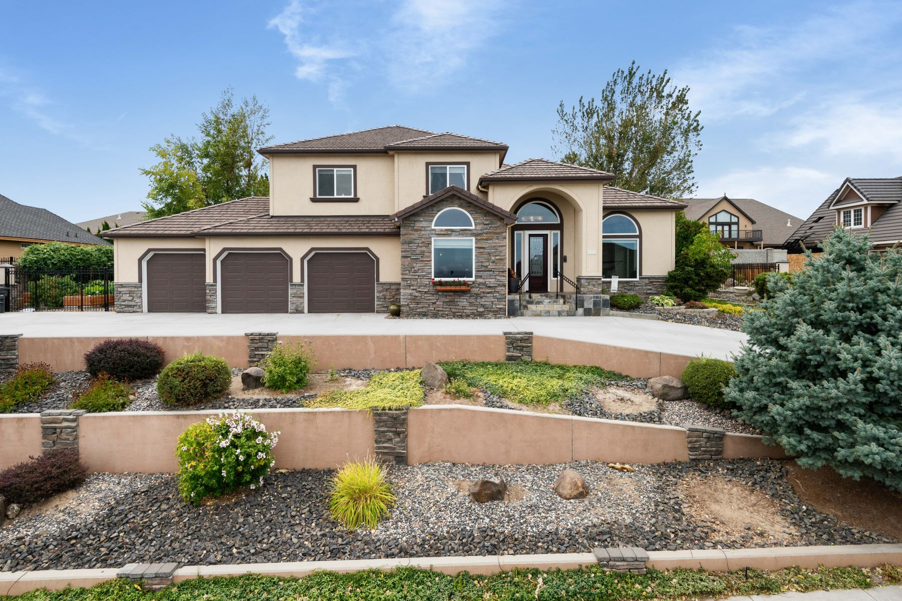 Single Family Homes for Sale at Canyon Lakes South Hill 3903 W 43rd Ave Kennewick, Washington 99337 United States