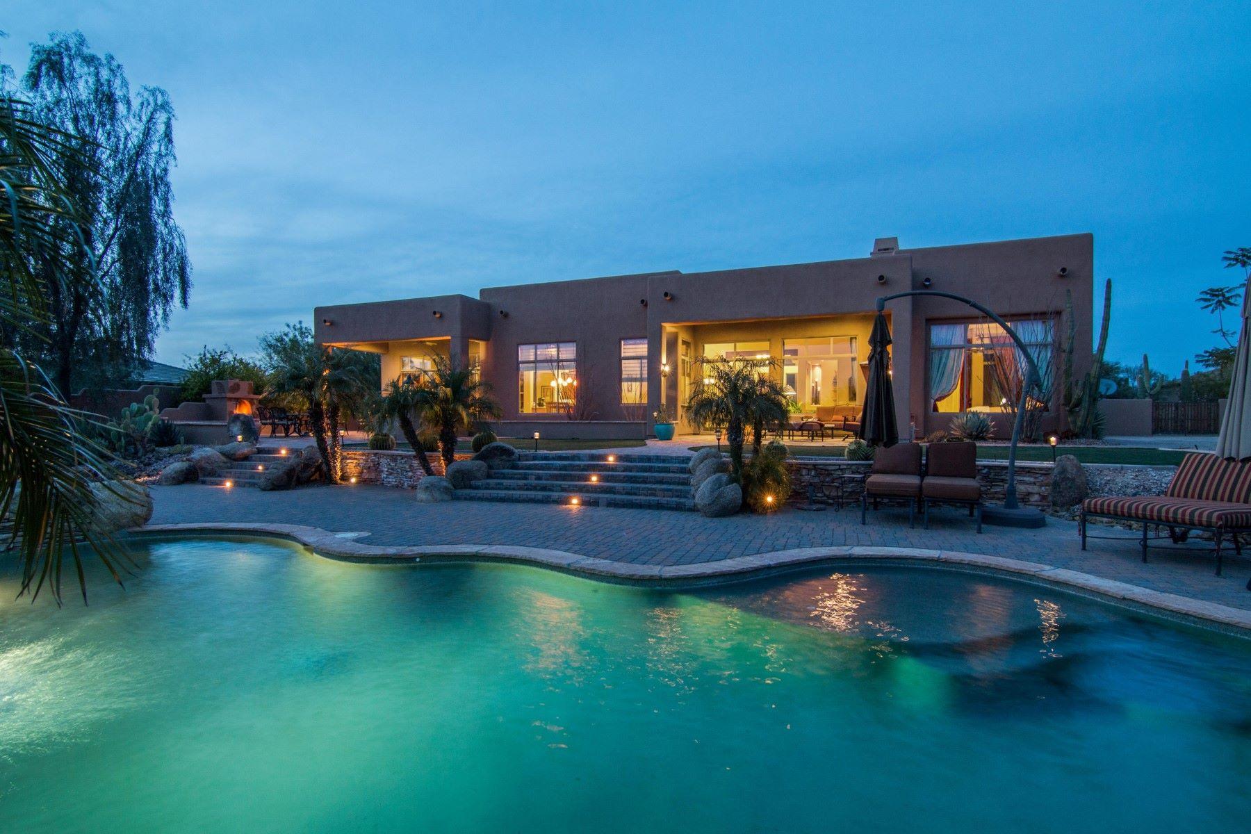 Nhà ở một gia đình vì Bán tại Wonderful single level property in North Scottsdale 6513 E Running Deer Trl Scottsdale, Arizona, 85266 Hoa Kỳ