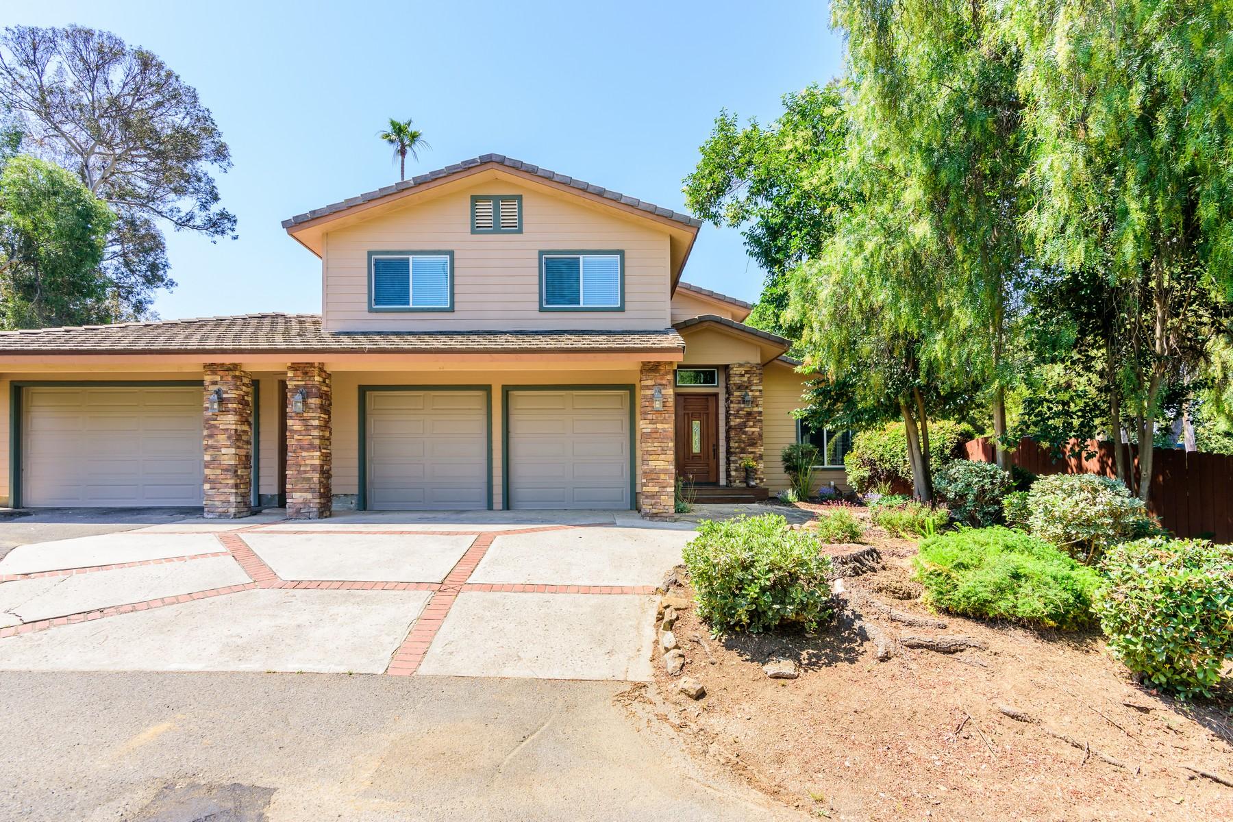 独户住宅 为 销售 在 1433 Country Club Lane 1433 Country Club Drive 埃斯孔迪多, 加利福尼亚州, 92029 美国