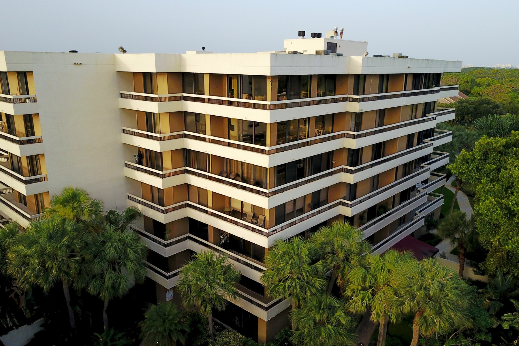 Condomínio para Locação às 23200 Camino Del Mar , 605, Boca Raton, FL 33433 23200 Camino Del Mar 605 Boca Raton, Florida 33433 Estados Unidos