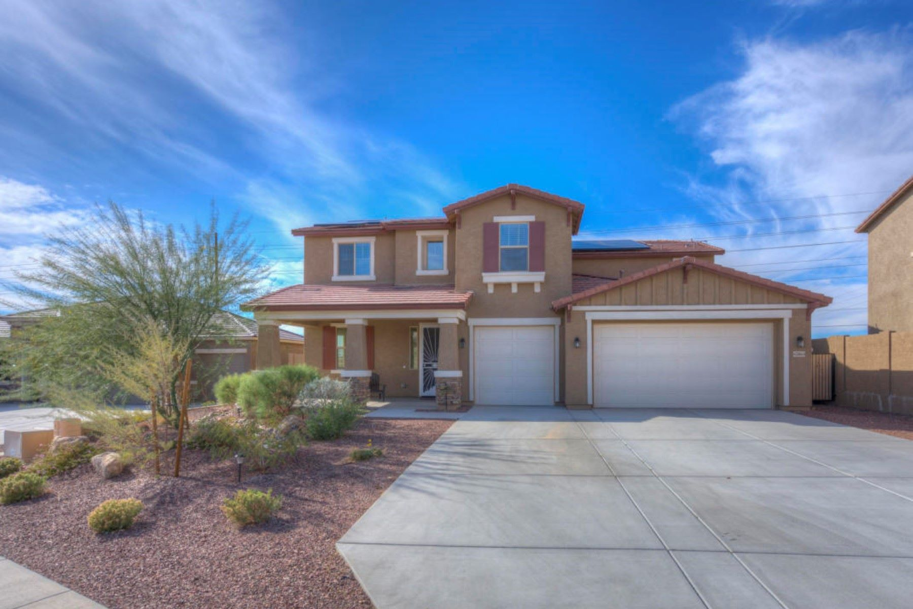 Single Family Home for Sale at Immaculate Craftsman Style Home 43864 N Hudson TRL New River, Arizona 85087 United States