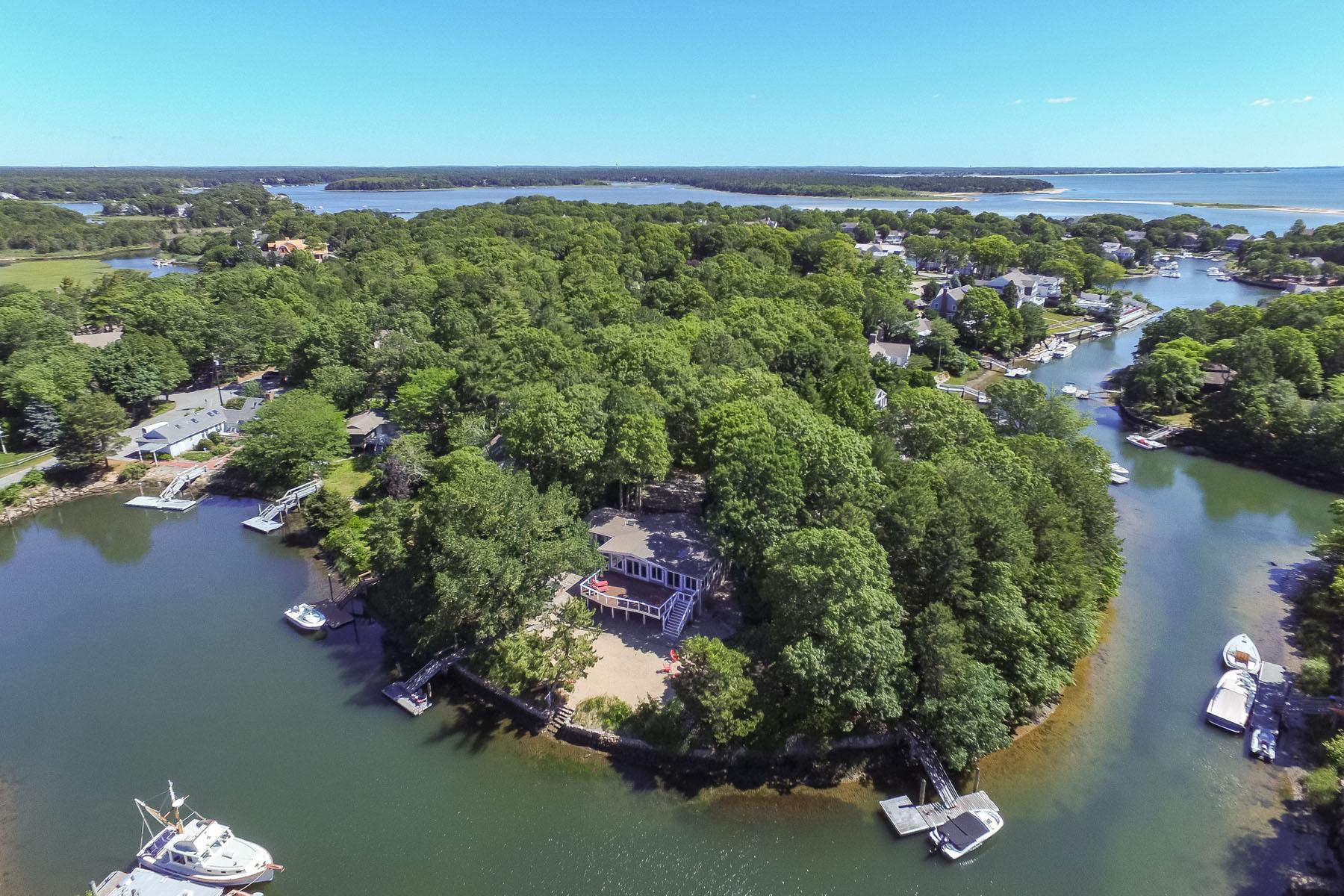 Einfamilienhaus für Verkauf beim WATERFRONT HOME WITH DOCK 14 Capstan Circle New Seabury, Massachusetts, 02649 Vereinigte Staaten