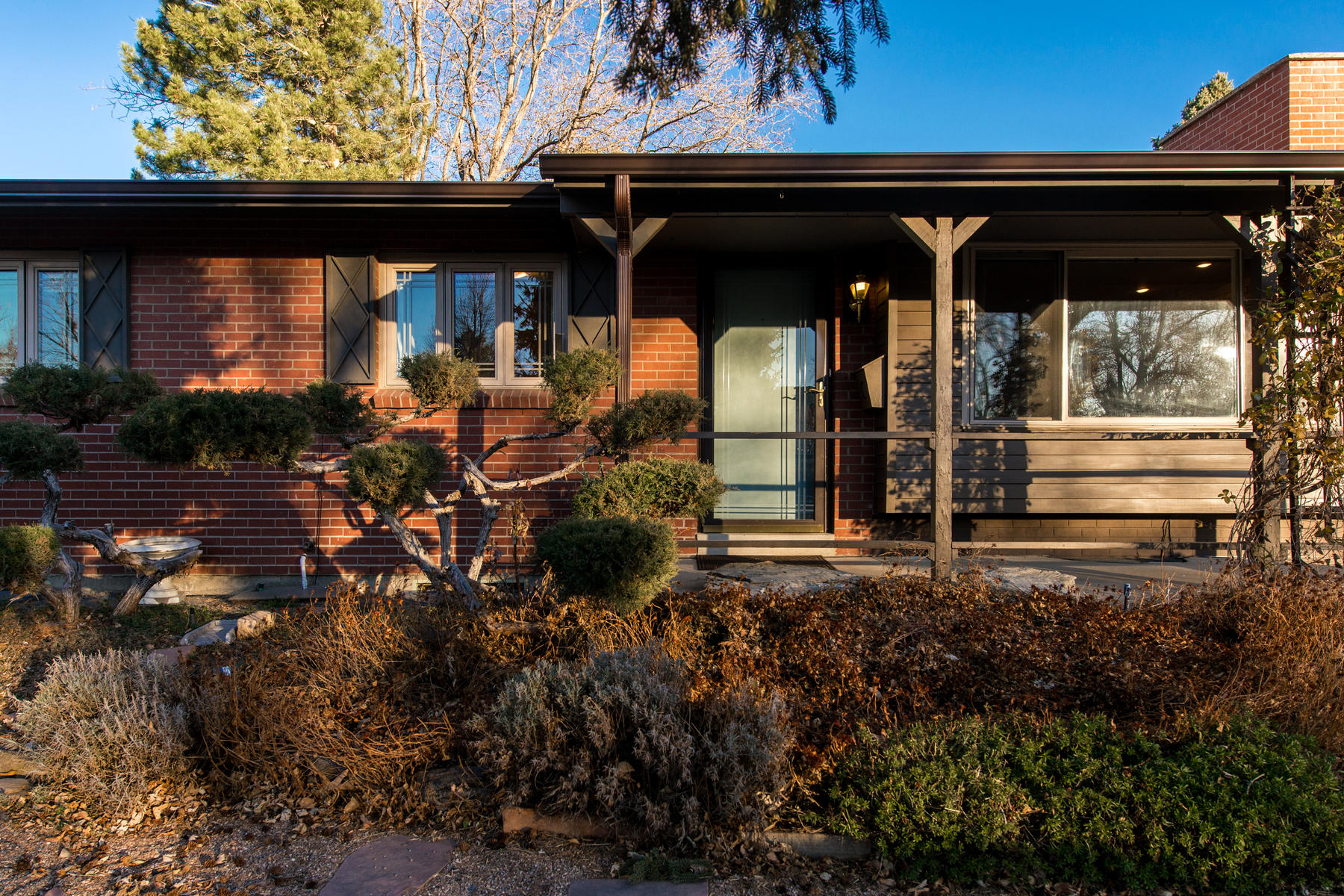 Additional photo for property listing at This classic brick ranch in Applewood, Golden is a must see! 13436 W 22nd Place Golden, Colorado 80401 United States