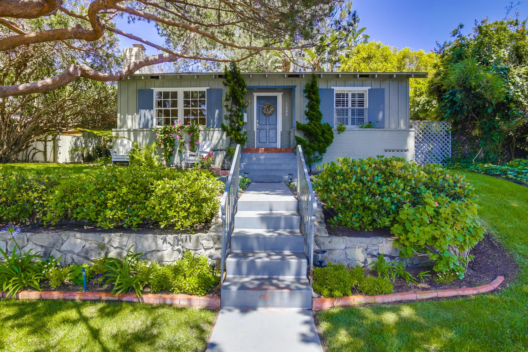 Single Family Home for Sale at 1205 Stratford Court Del Mar, California, 92014 United States