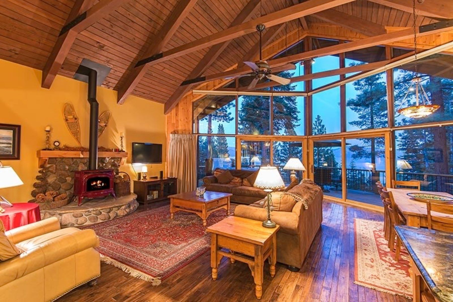 Single Family Homes 为 销售 在 270 Old County Road , Carnelian Bay 270 Old County Rd Carnelian Bay, 加利福尼亚州 96140 美国