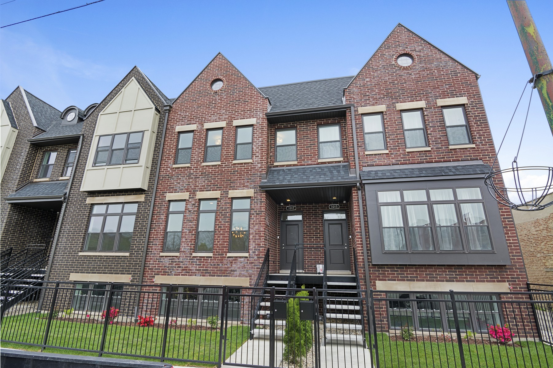 Single Family Home for Sale at Brand New Luxury Row Home 4302A S Drexel Boulevard, Chicago, Illinois, 60653 United States
