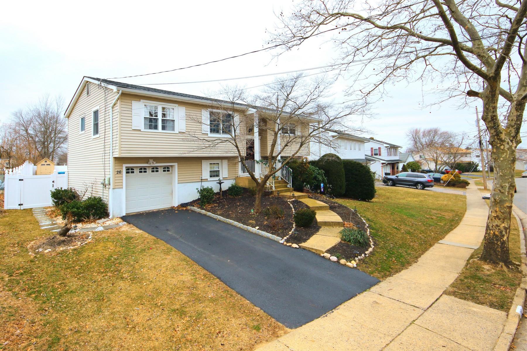 Частный односемейный дом для того Продажа на 26 Tralee Rd, Hazlet 26 Tralee Rd., Hazlet, Нью-Джерси 07730 Соединенные Штаты