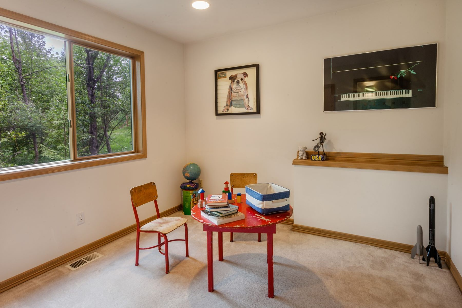 Additional photo for property listing at Clyde Hill Contemporary 9836 NE 34th Place Bellevue, Washington 98004 États-Unis