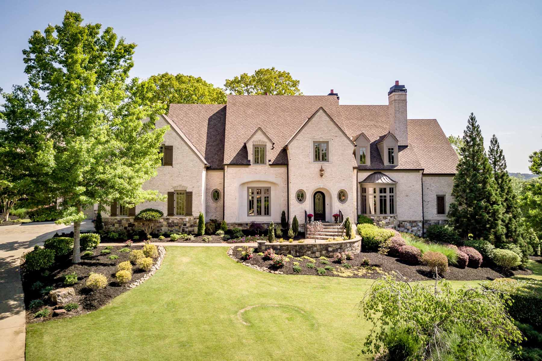 Single Family Home for Active at Exquisite Masterpiece 105 Manor Lake Court Milton, Georgia 30004 United States