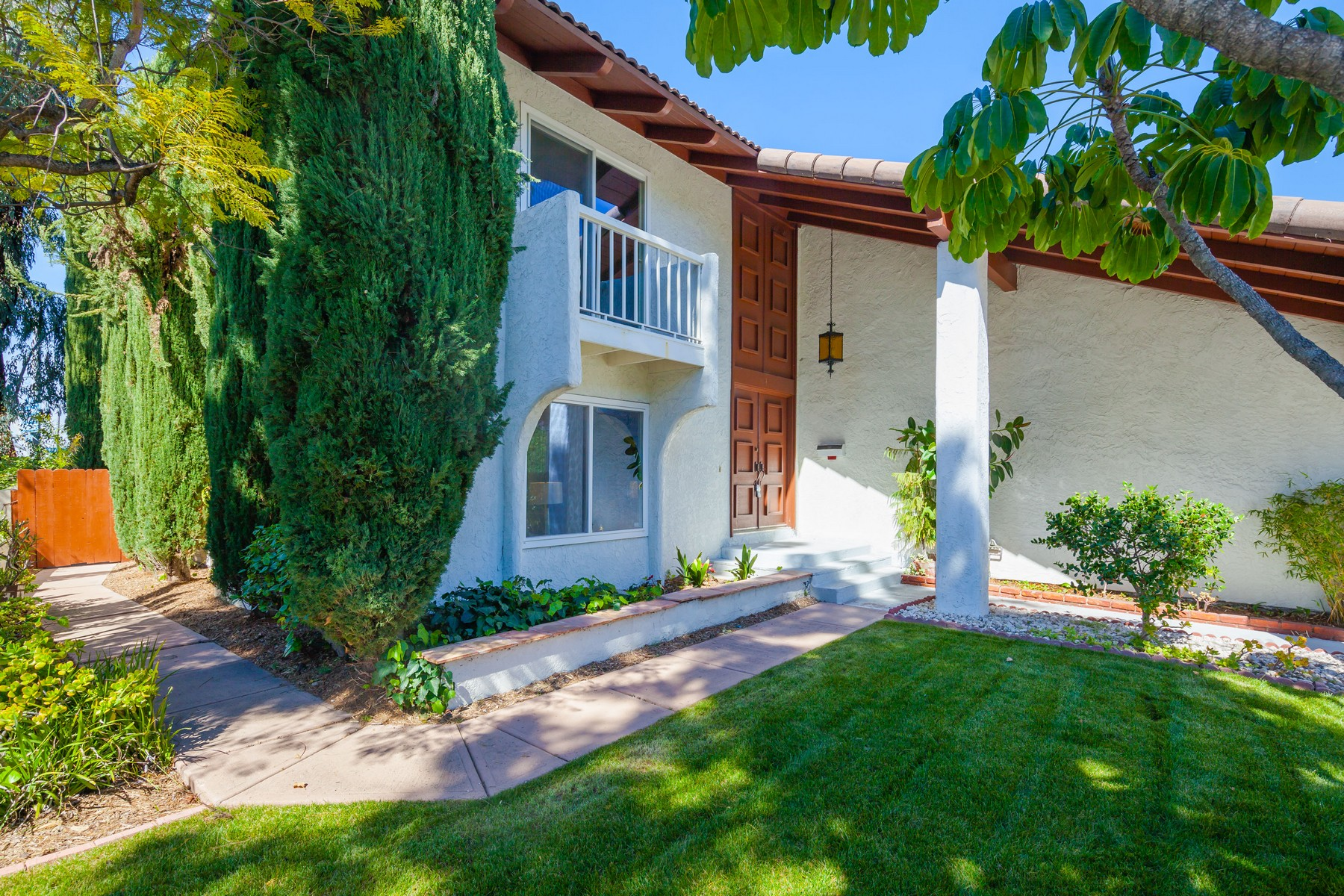 Single Family Home for Sale at 6006 Camino Largo San Diego, California, 92120 United States