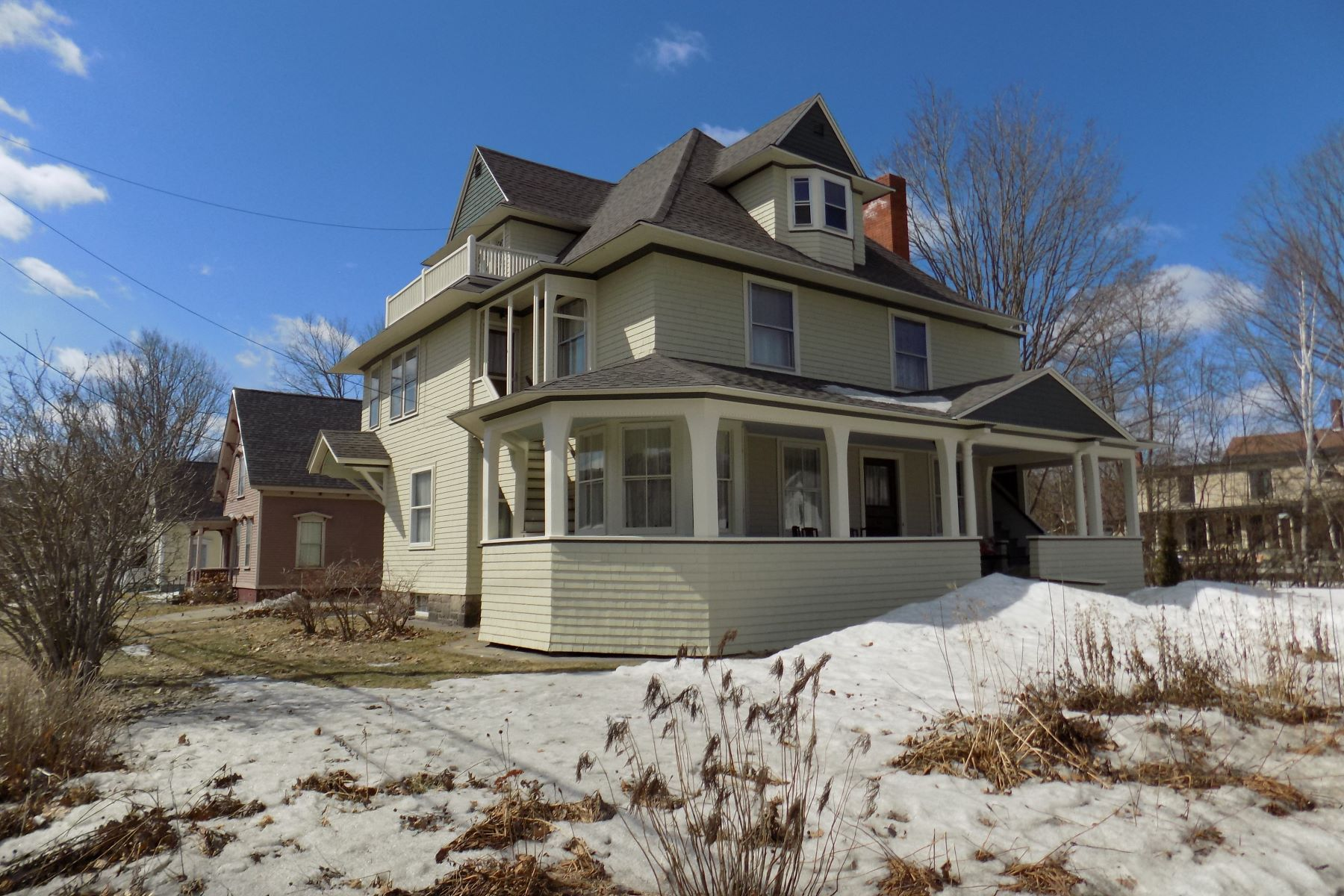 Single Family Home for Sale at 113 Church Street, St. Johnsbury 113 Church St St. Johnsbury, Vermont 05819 United States