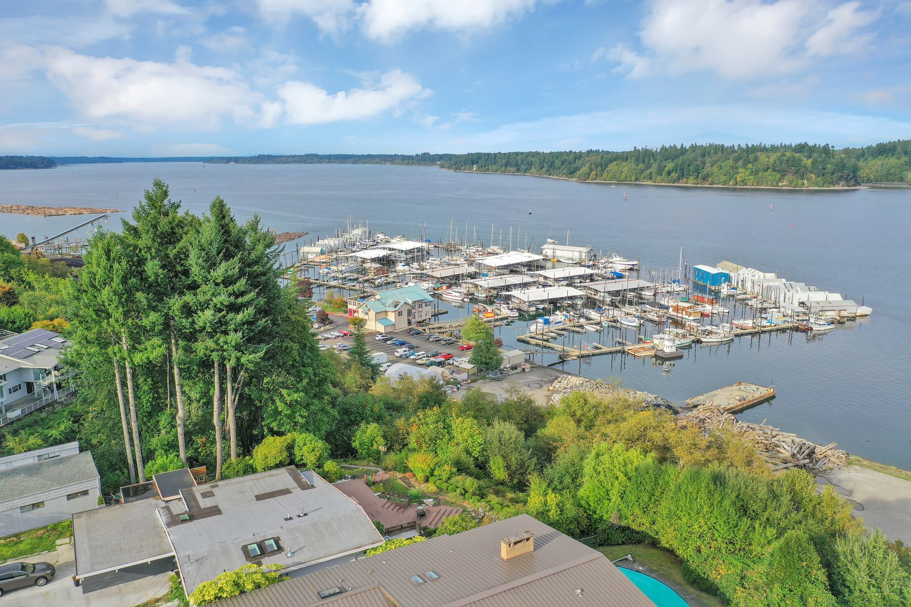 Single Family Homes for Sale at 1305 Ebb Tide Terrace NW Olympia, Washington 98502 United States