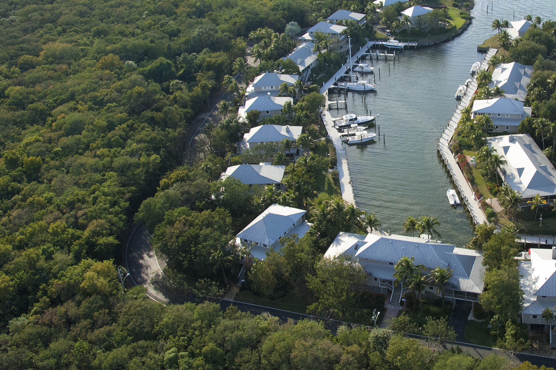 Additional photo for property listing at Waterfront Cottage - Key Largo Anglers Club 13 South Marina Drive Key Largo, 佛羅里達州 33037 美國