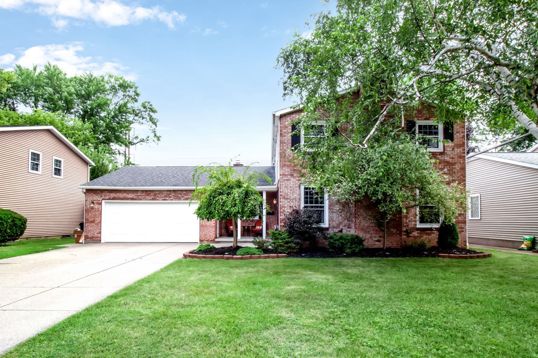 Single Family Homes for Sale at Willowgrove Colonial 149 Willowgrove South Tonawanda, New York 14150 United States
