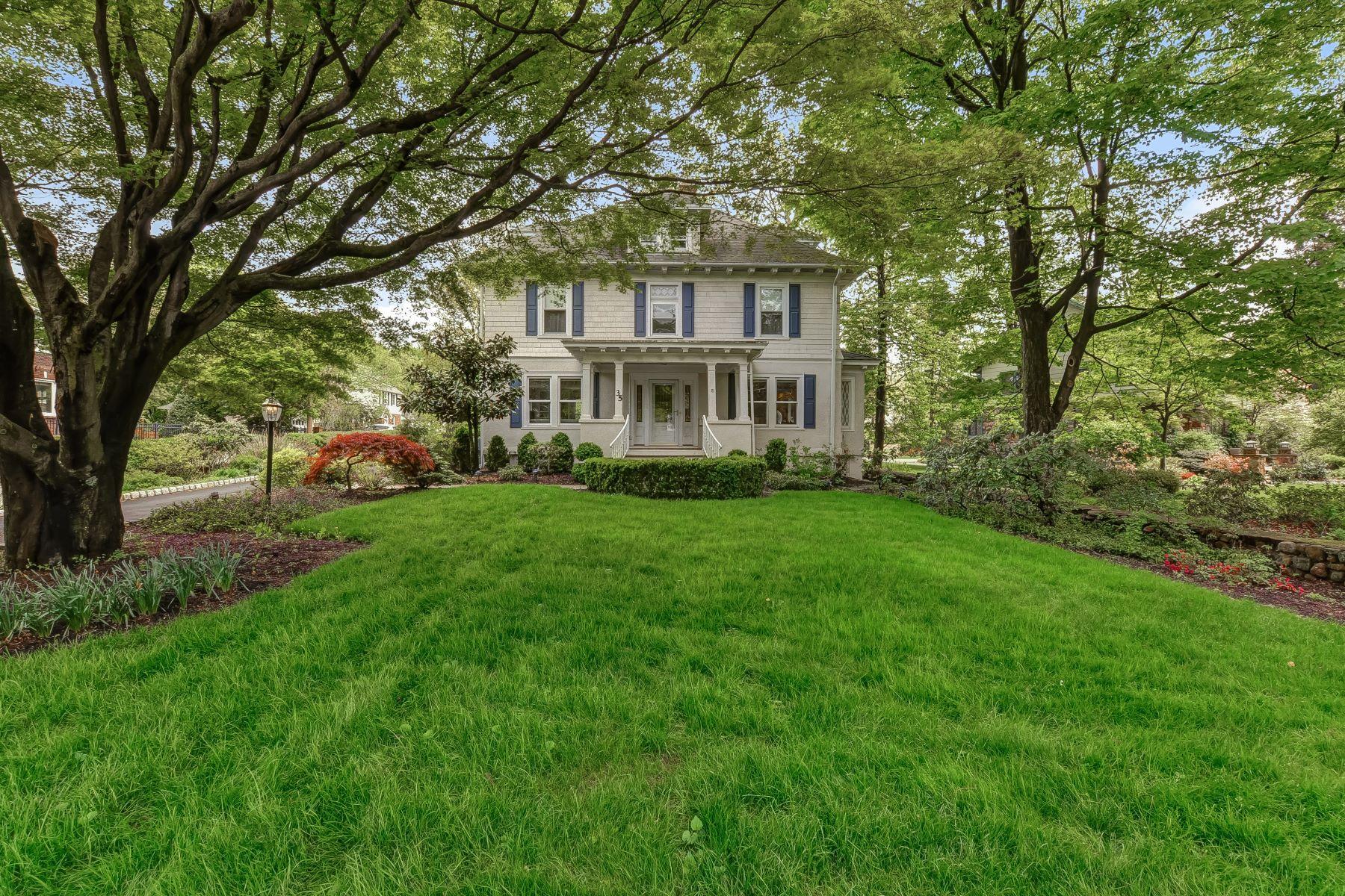 Casa Unifamiliar por un Venta en Charming & Elegant 35 Littleton Road, Morris Plains, Nueva Jersey 07950 Estados Unidos