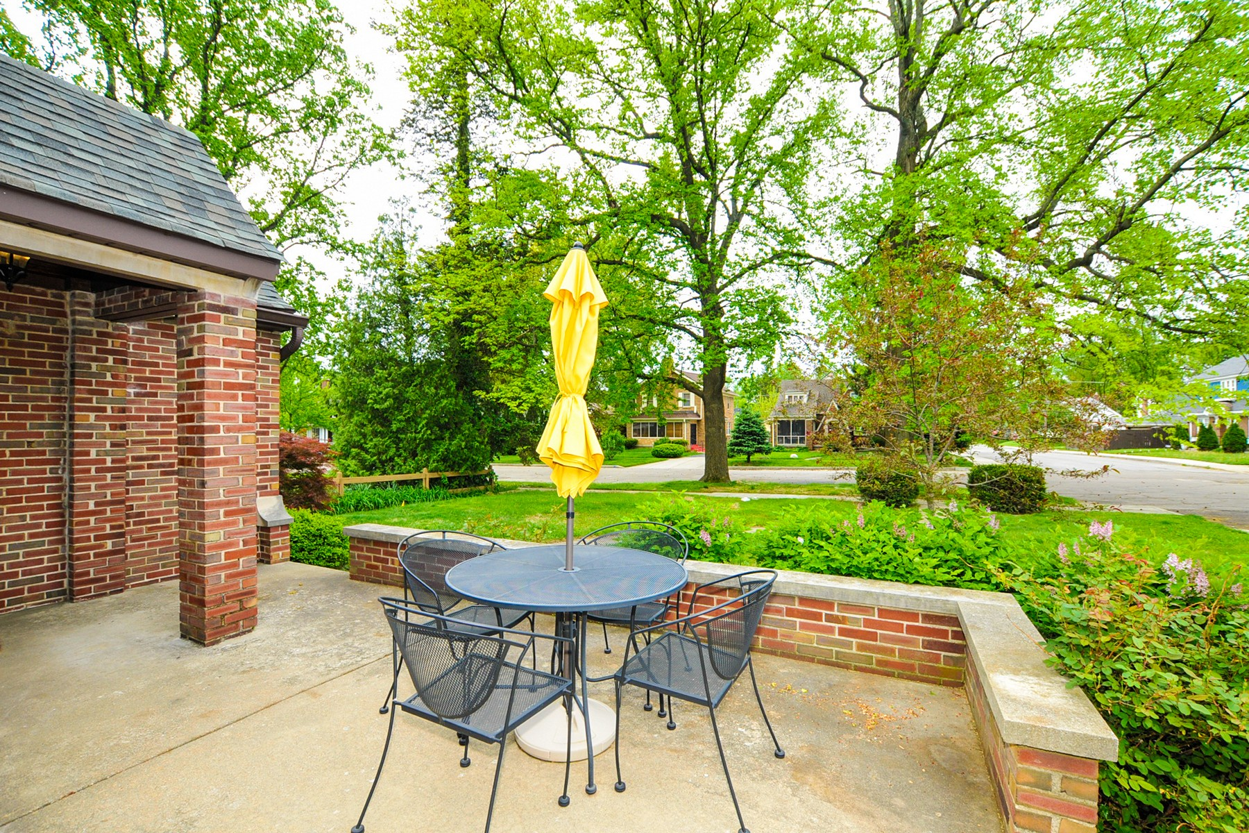 Additional photo for property listing at Remarkable English Tudor Home 232 Berkley Road Indianapolis, Indiana 46208 Estados Unidos