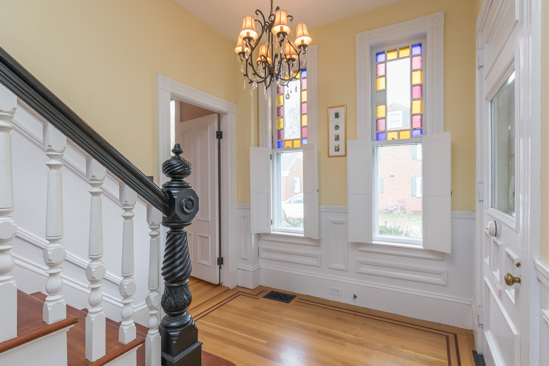 Additional photo for property listing at Stunning Restored Victorian 293 High Street Newburyport, Massachusetts 01950 United States