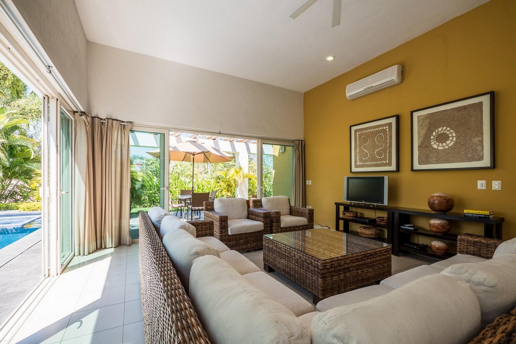 Additional photo for property listing at Casa Mariposas 124 Paseo de las Mariposas 124 Nuevo Vallarta, Nayarit 63735 México