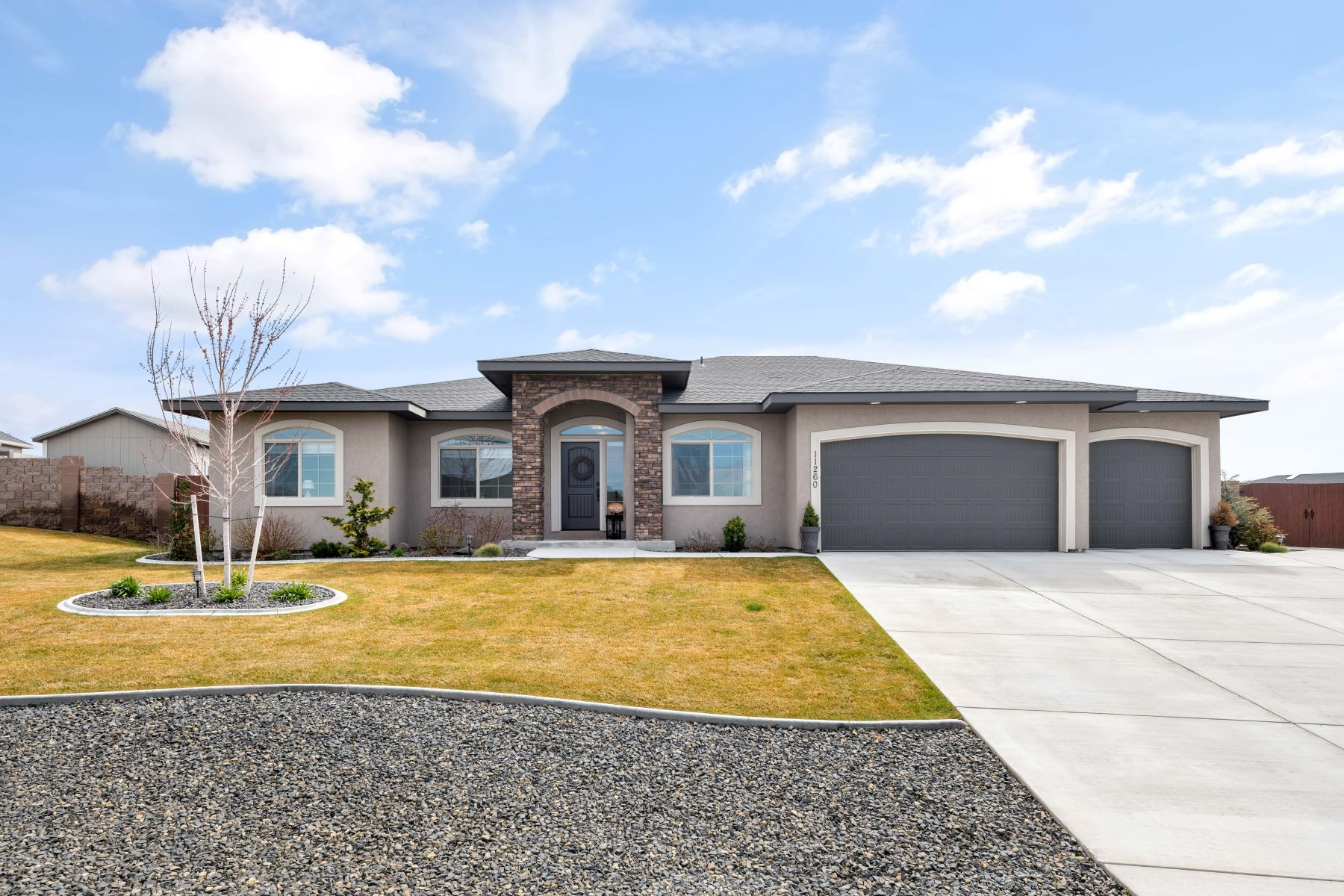 Single Family Homes for Sale at RV Parking! 11260 Woodsman Drive Pasco, Washington 99301 United States