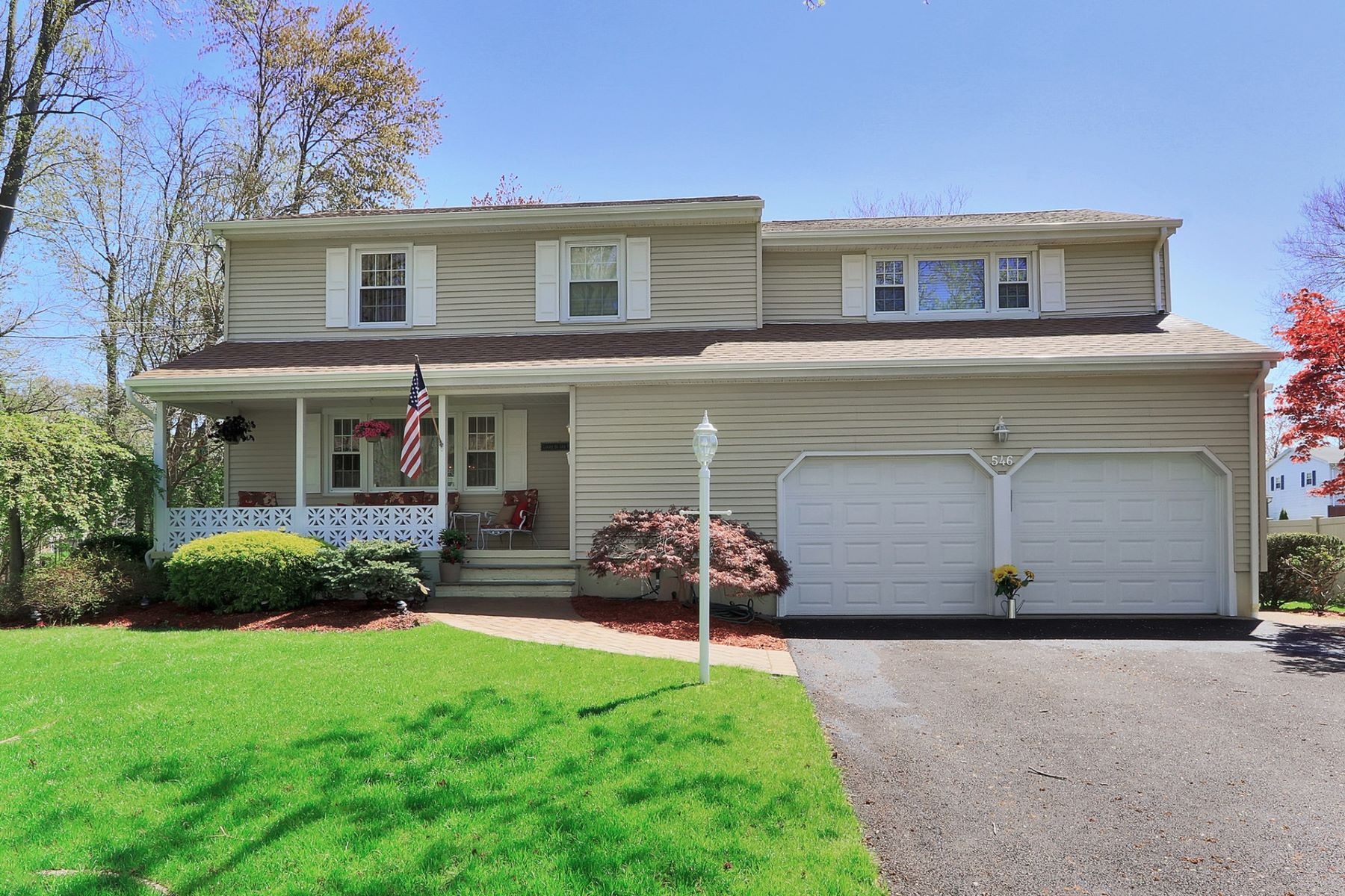 Single Family Homes for Sale at Charming Sidehall Colonial 546 Redwood Road Paramus, New Jersey 07652 United States