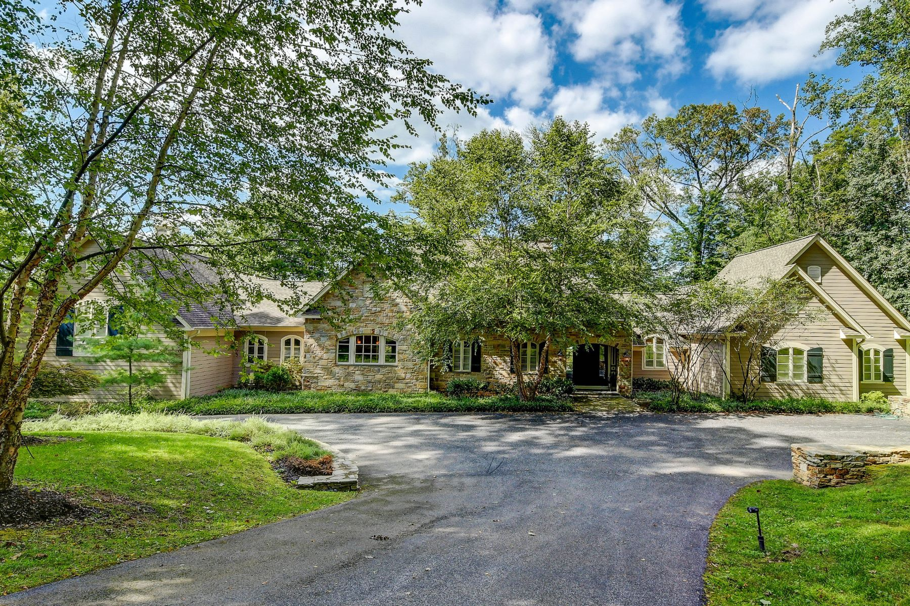 Single Family Homes for Sale at 28 Caveswood Lane Owings Mills, Maryland 21117 United States