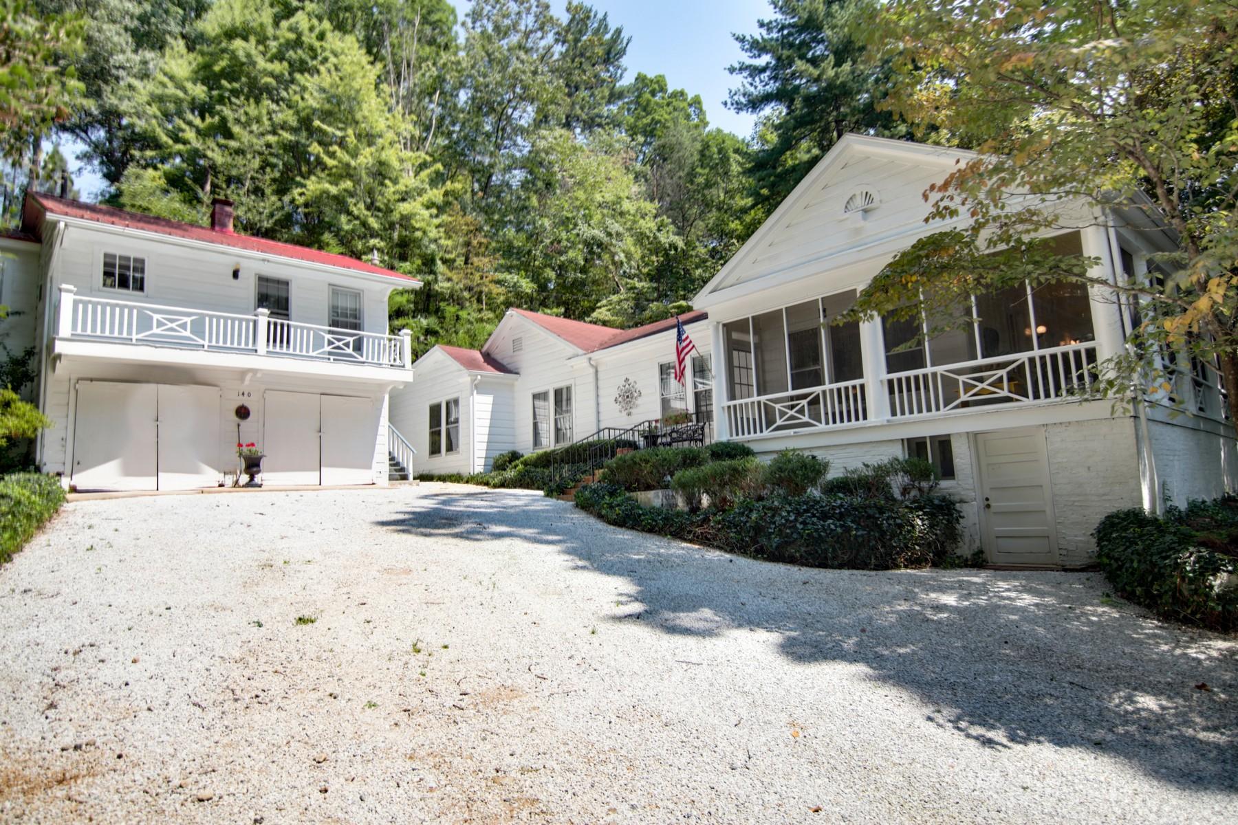 Casa para uma família para Venda às 140 Harris Road Lake Lure, Carolina Do Norte, 28746 Estados Unidos