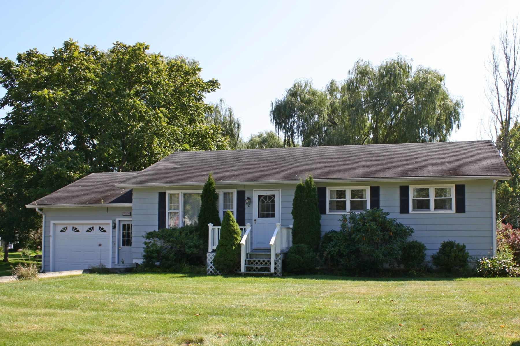 Single Family Homes for Sale at Charming in town home 2 Swanage Ct Middlebury, Vermont 05753 United States
