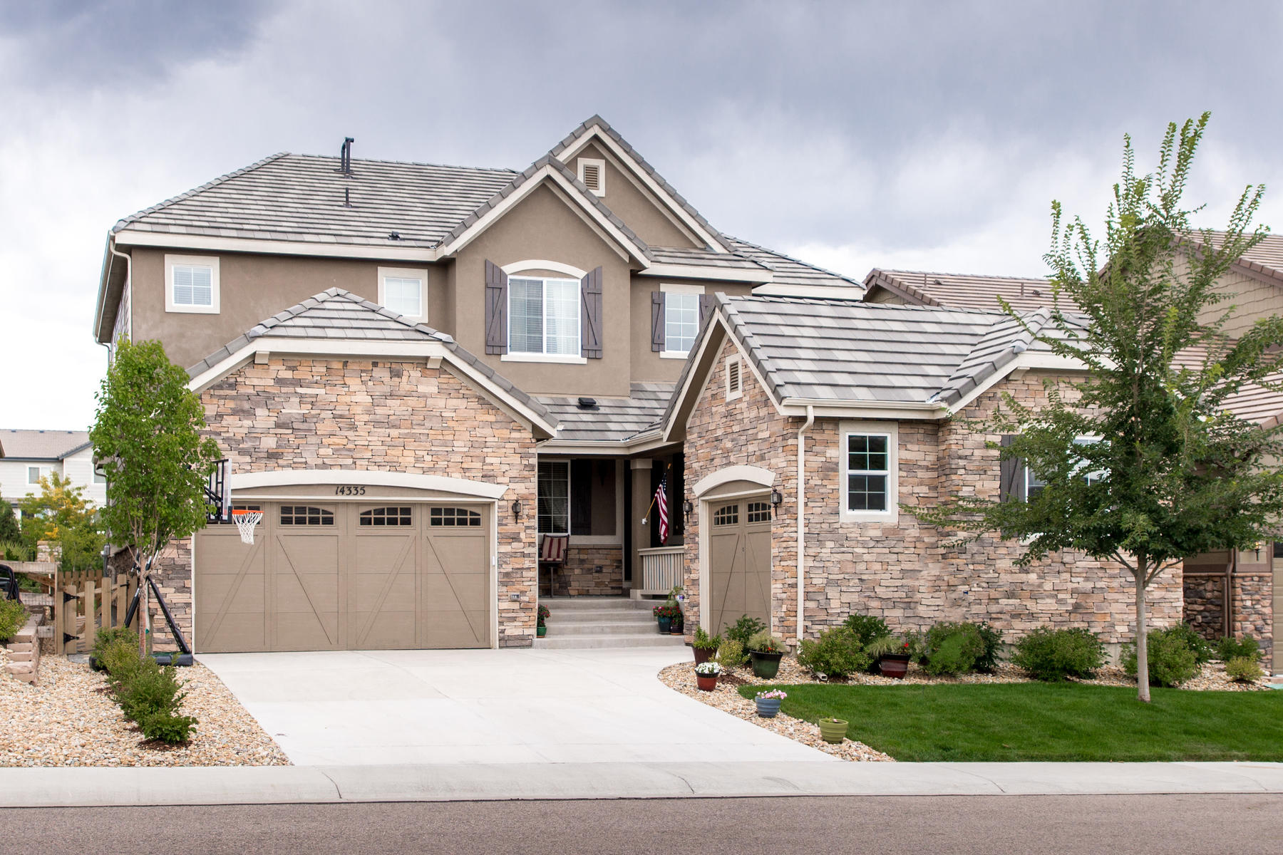 Single Family Home for Active at An extraordinary home with modern living flair. 14335 Glenayre Cir Parker, Colorado 80134 United States