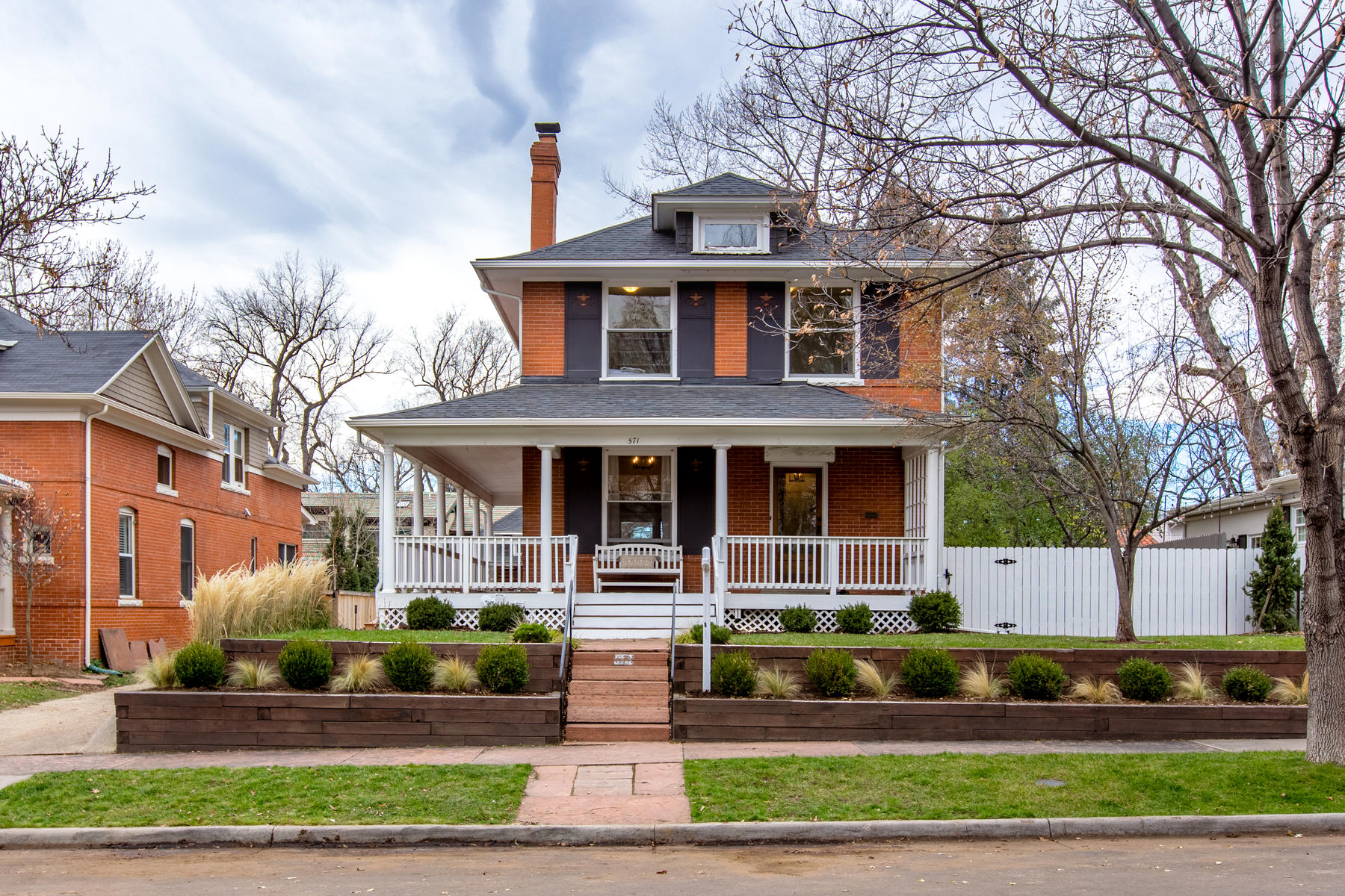 Single Family Home for Active at Beautiful Denver Square on One of Country Club's Favorite Blocks 571 High Street Denver, Colorado 80218 United States
