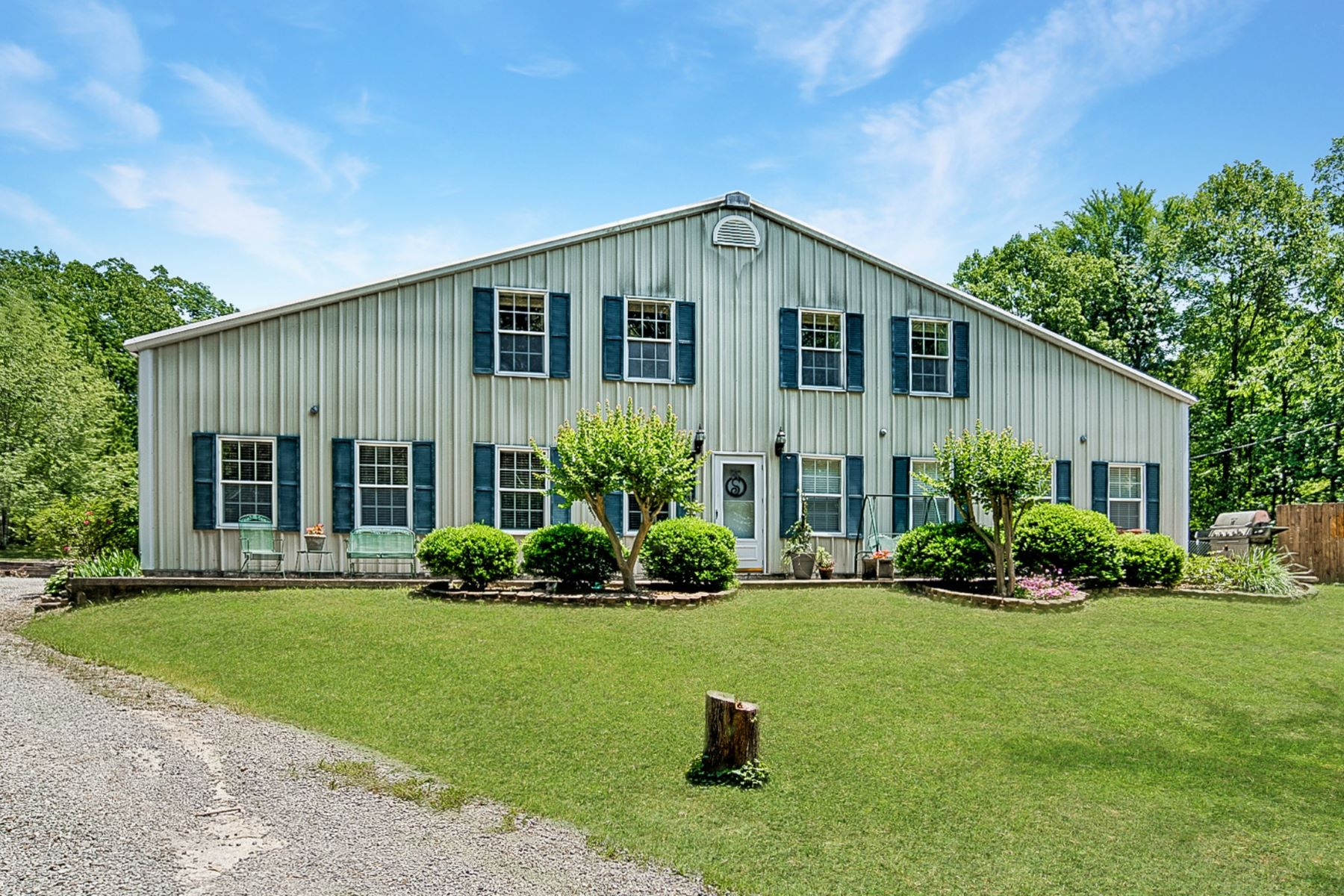 Single Family Homes for Active at 562 Still Meadow Road Somerville, Alabama 35670 United States
