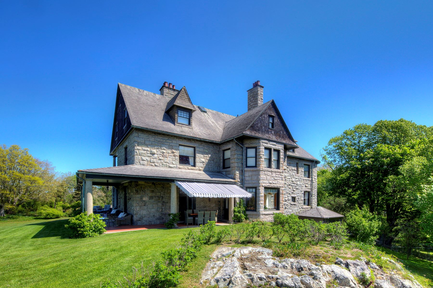 Additional photo for property listing at Wild Moor Estate 21 Hammersmith Road Newport, Rhode Island 02840 Estados Unidos