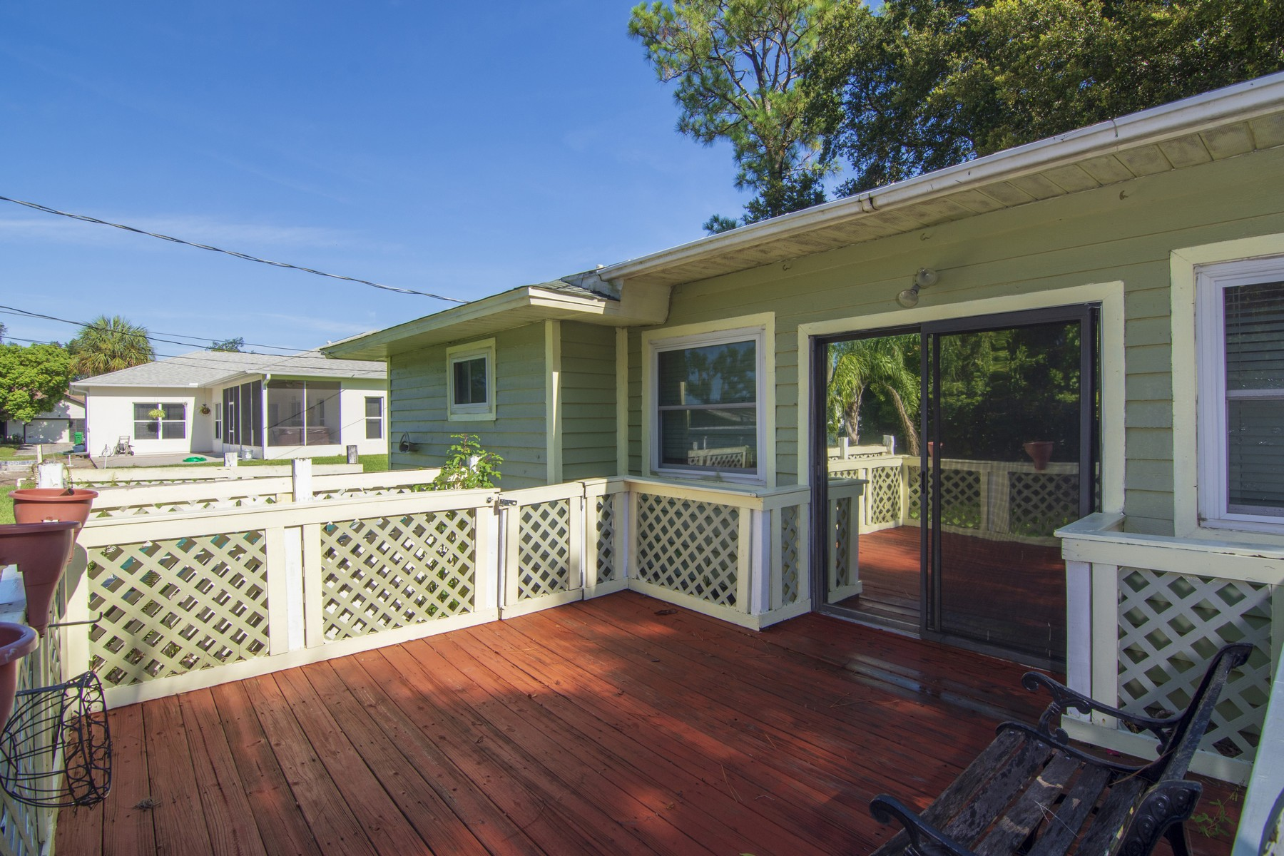 Additional photo for property listing at Bright and Airy Sebastian Home 781 Doctor Avenue Sebastian, Florida 32958 United States