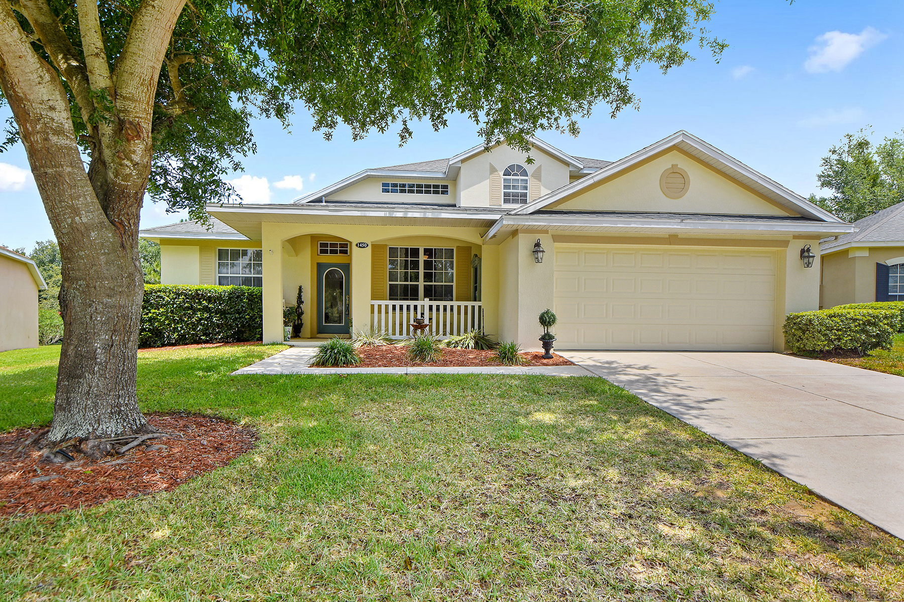 Single Family Homes per Vendita alle ore CLERMONT-ORLANDO 1450 Misty Glen Ln Clermont, Florida 34711 Stati Uniti