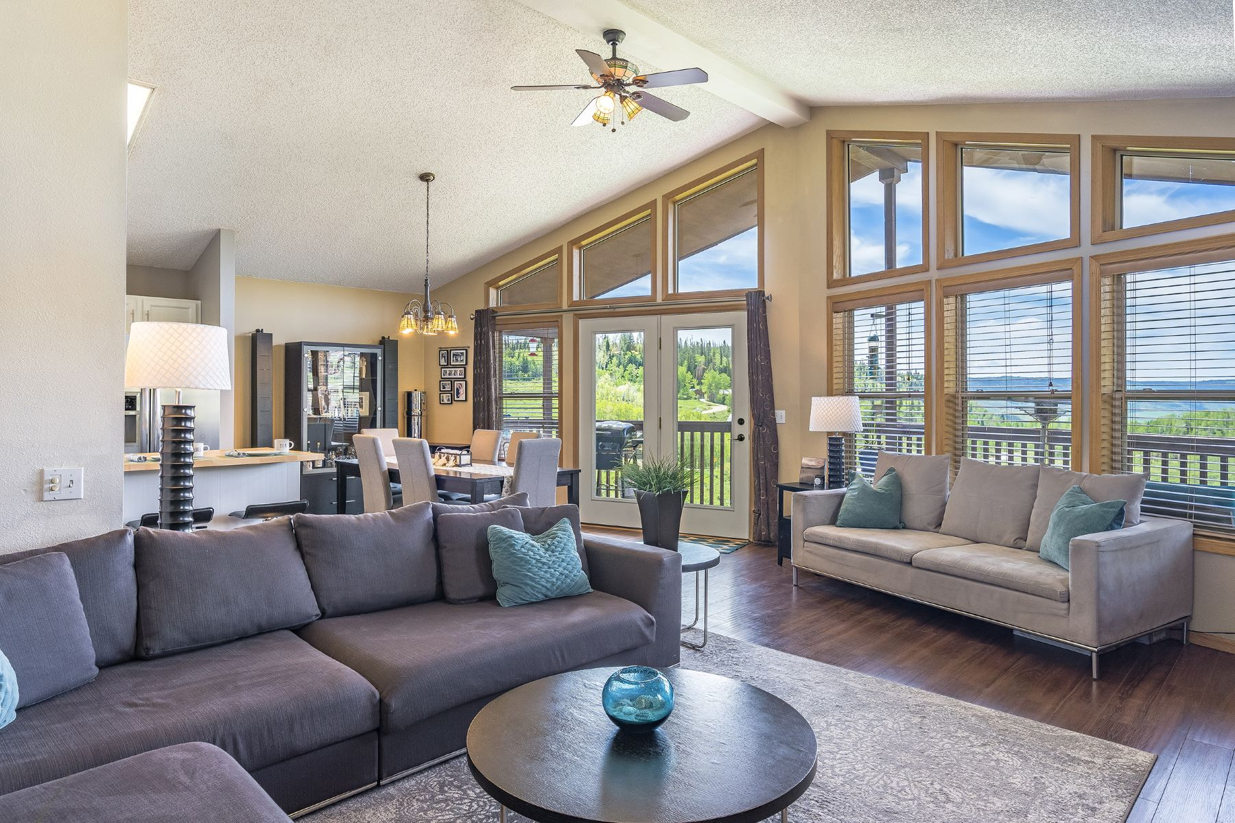Single Family Homes for Sale at Valley Vista Abode 27100 Neptune Place Clark, Colorado 80428 United States