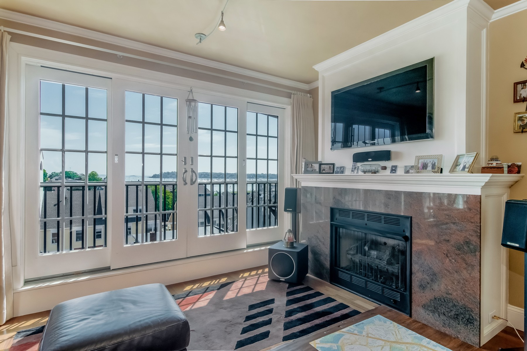Additional photo for property listing at Luxury Harbor View Condo 225 Derby Street Unit 503 Salem, Massachusetts 01970 United States