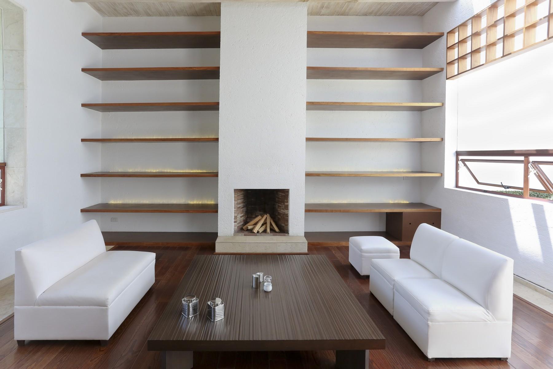 独户住宅 为 销售 在 Avandaro Residence at Valle de Bravo 联邦特区, Mexico Df, 51200 墨西哥