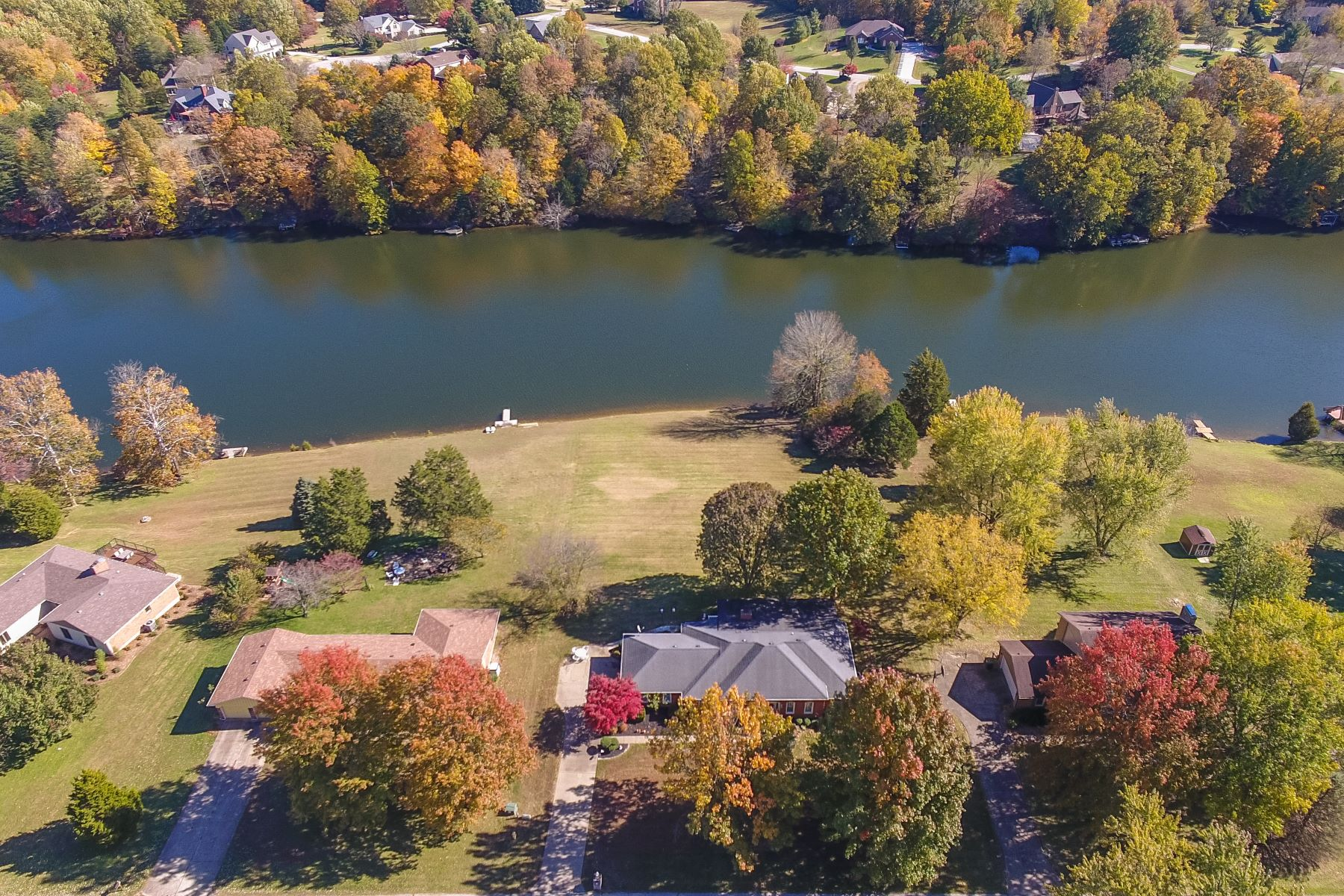 single family homes for Active at 3004 Shoreline Turn Georgetown, Indiana 47122 United States