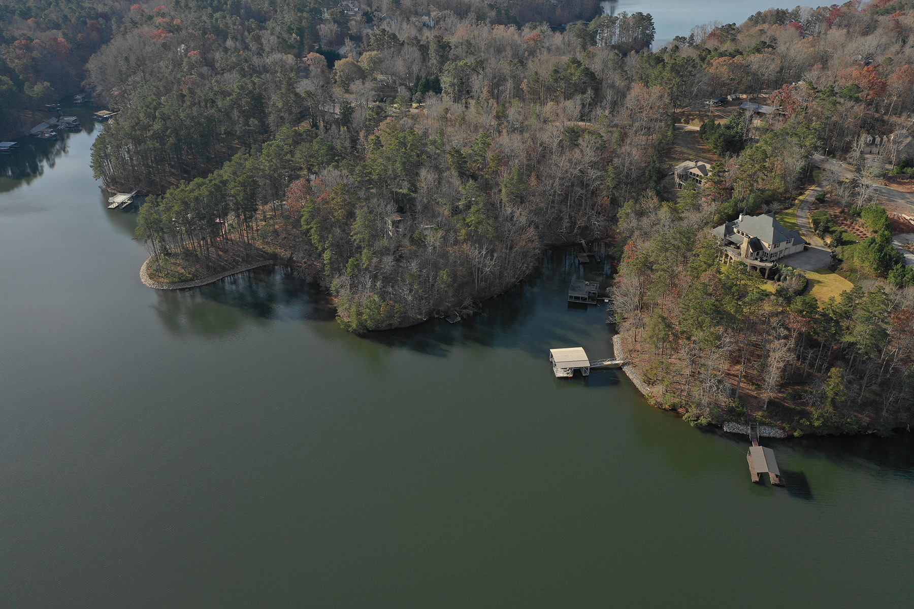 Additional photo for property listing at Lake Lanier Estate 5492 Key Point Gainesville, Georgia 30504 United States