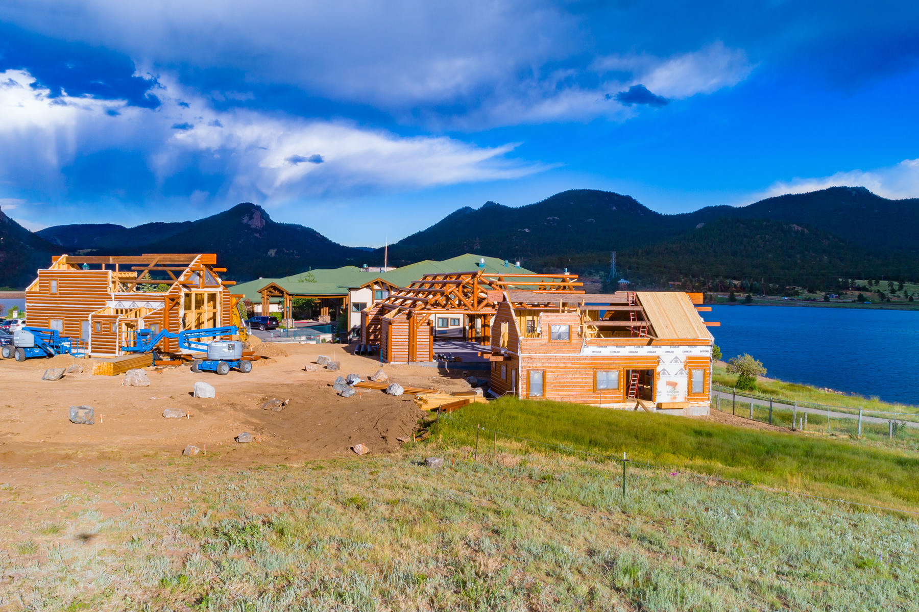 Additional photo for property listing at Exclusive Residential Resort Opportunity 1644 Mountain Village Ln Estes Park, Colorado 80517 United States