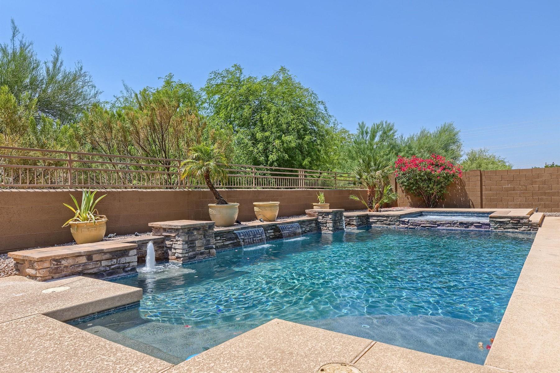 Vivienda unifamiliar por un Venta en Gorgeous remodel in Grayhawk Raptor Retreat 7931 E Rose Garden Ln Scottsdale, Arizona, 85255 Estados Unidos