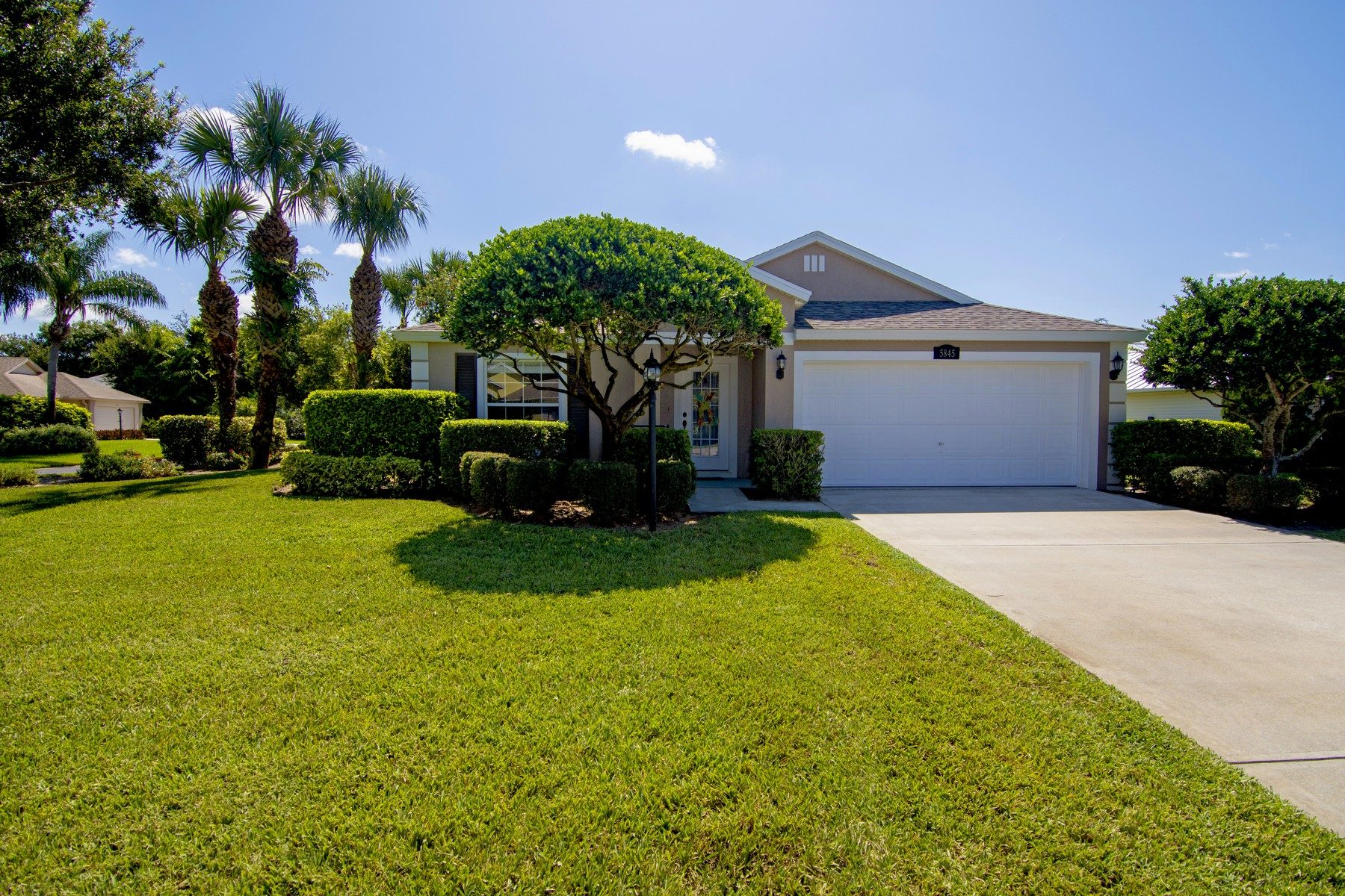 Single Family Homes for Sale at Great Neighborhood, New A/C and Roof! 5845 39th Lane Vero Beach, Florida 32966 United States