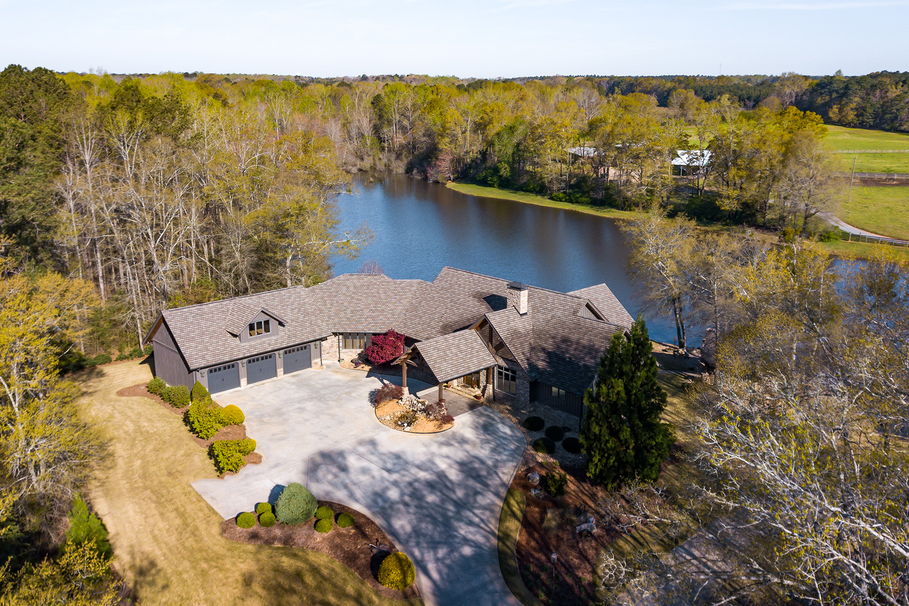 Single Family Homes for Active at Luxury Retreat On A Private Lake! 557 Gill Road Meansville, Georgia 30256 United States